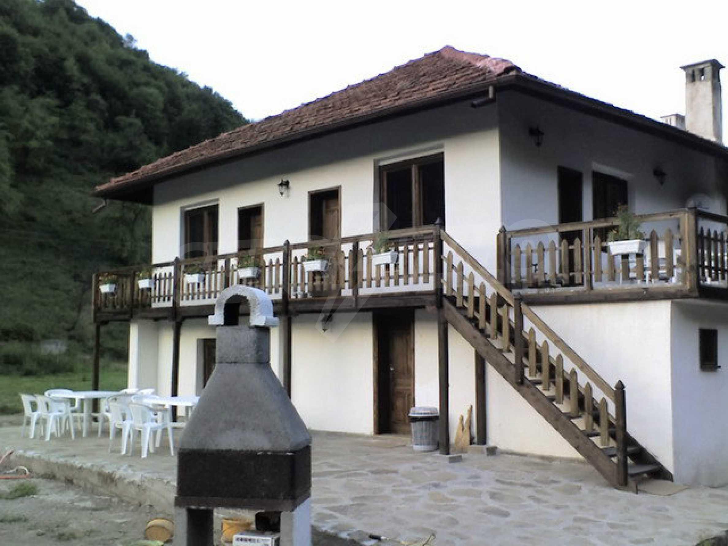 Geräumiges, voll möbliertes und ausgestattetes zweistöckiges Haus in Ribaritsa 10