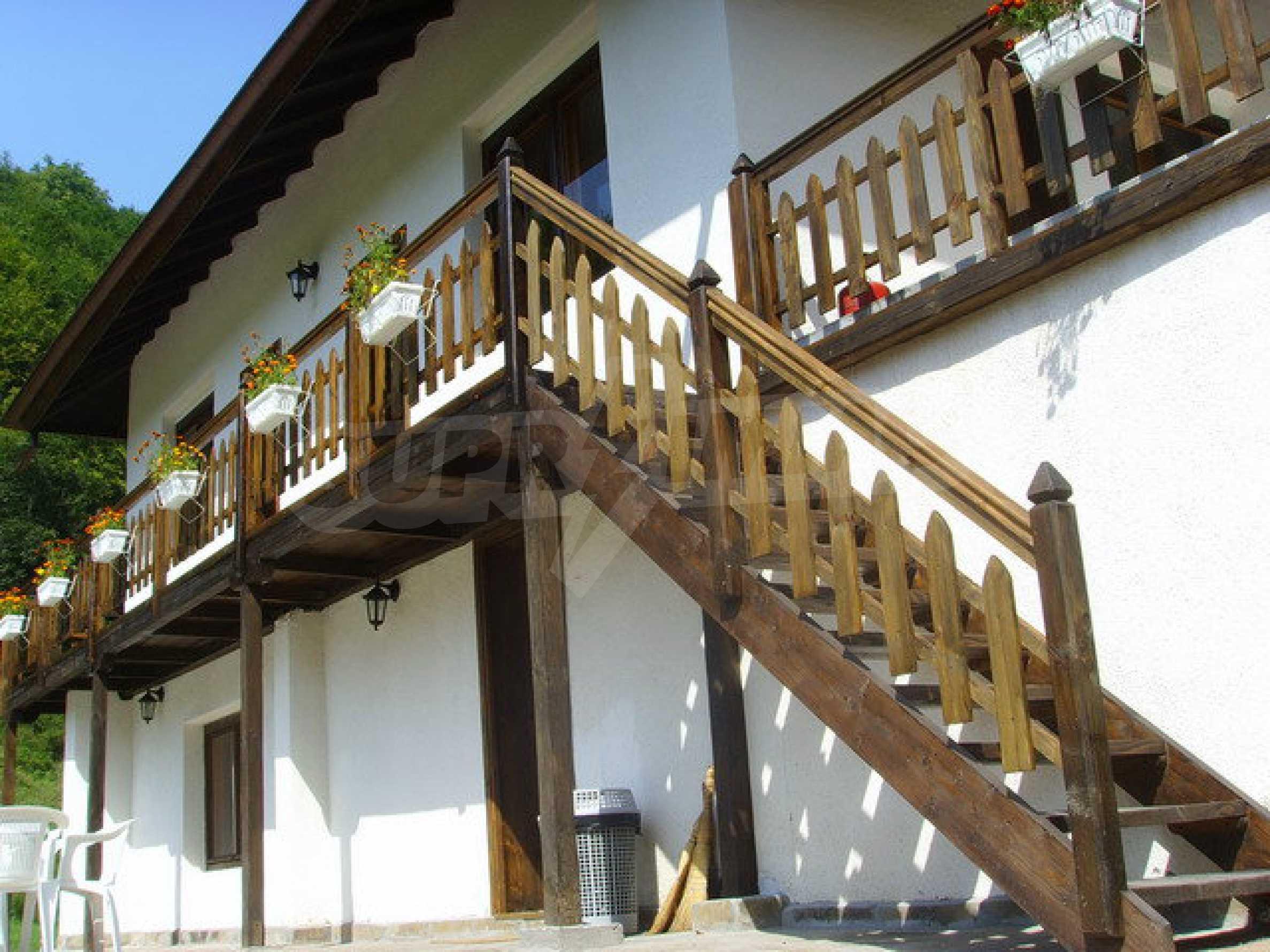 Geräumiges, voll möbliertes und ausgestattetes zweistöckiges Haus in Ribaritsa 11