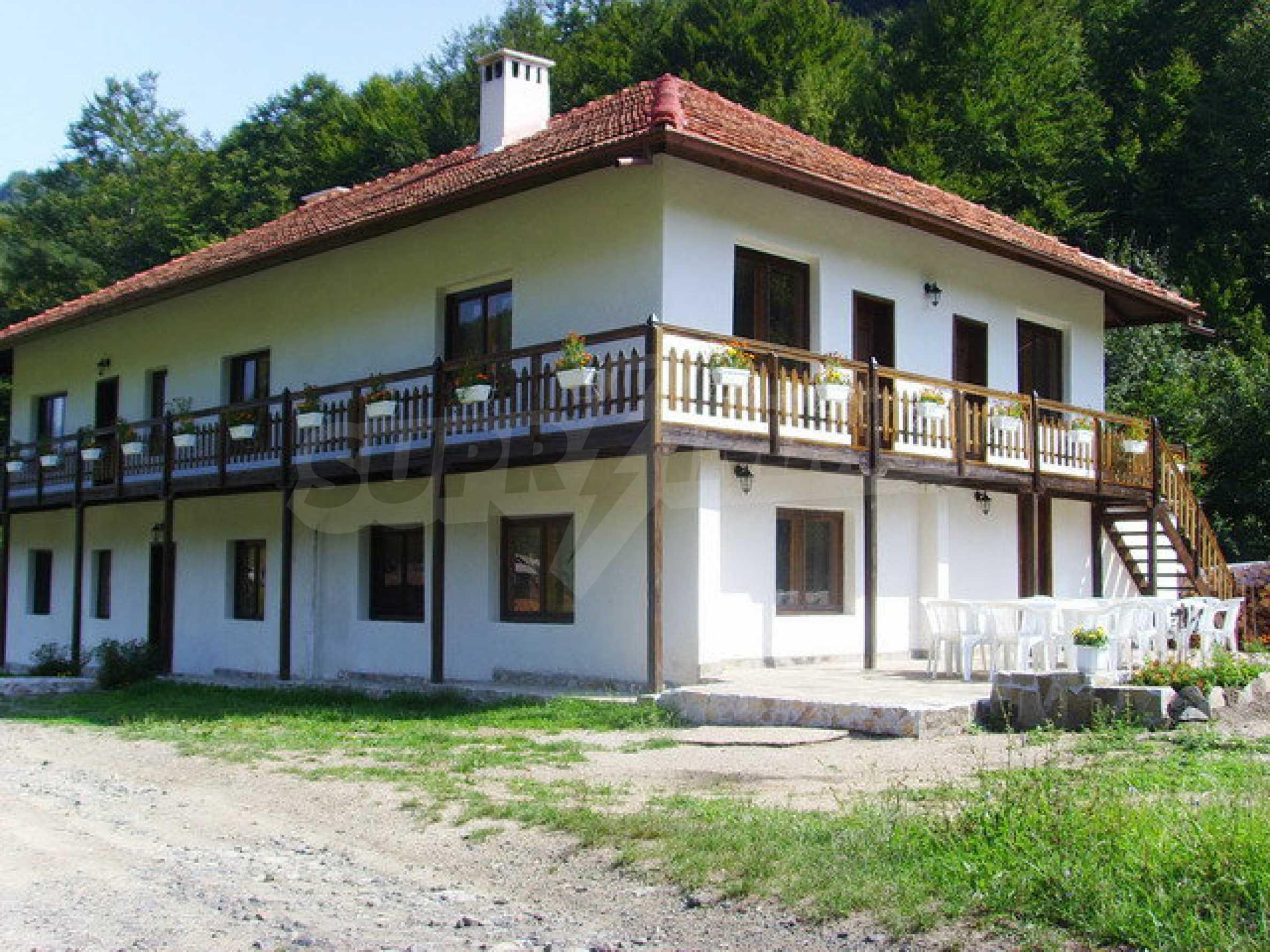 Geräumiges, voll möbliertes und ausgestattetes zweistöckiges Haus in Ribaritsa 12