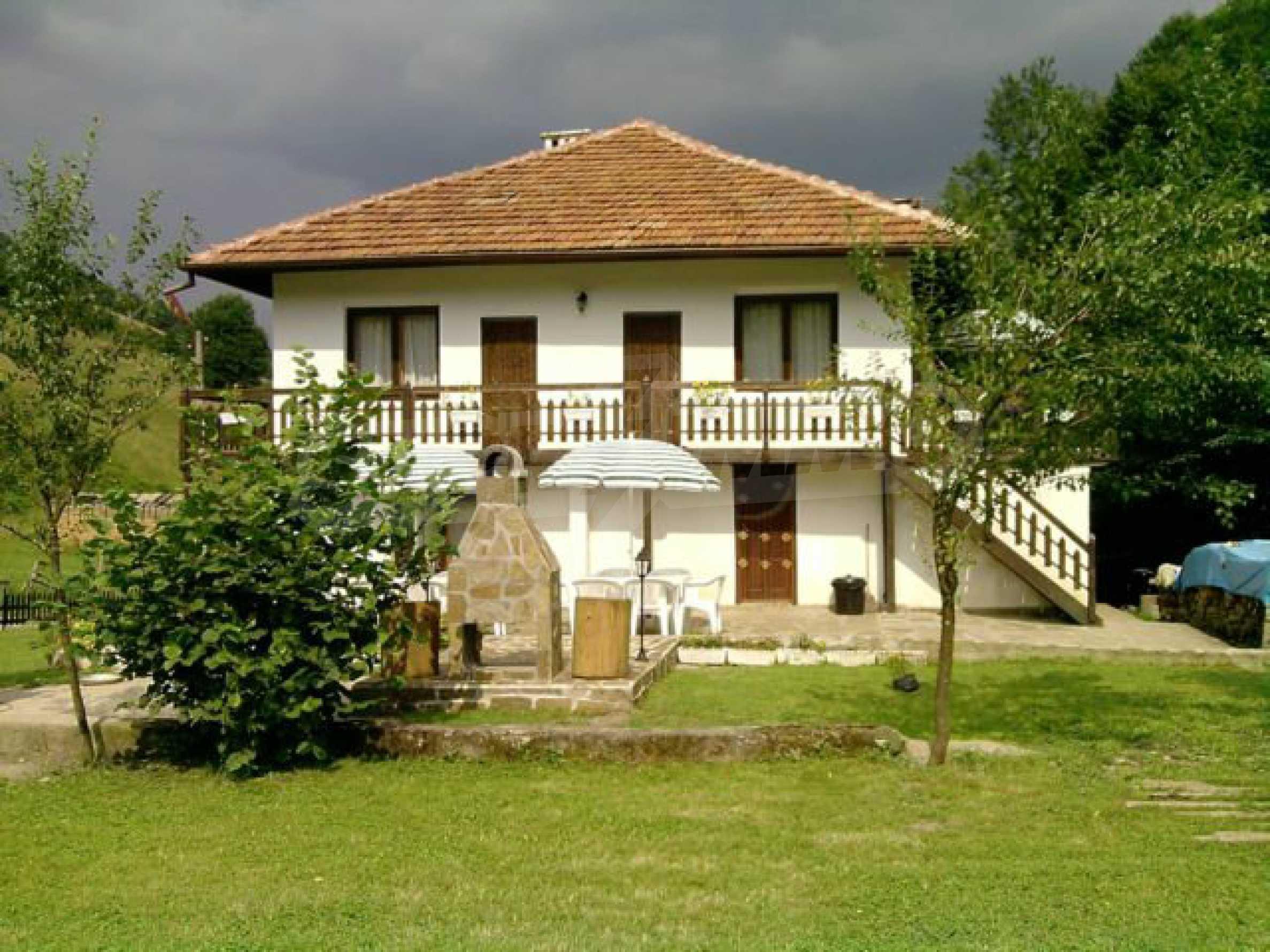 Geräumiges, voll möbliertes und ausgestattetes zweistöckiges Haus in Ribaritsa 13