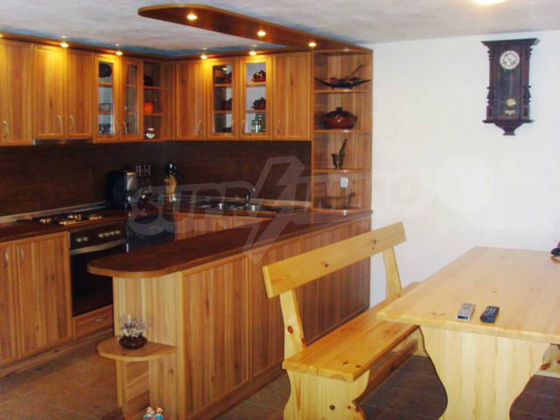 Geräumiges, voll möbliertes und ausgestattetes zweistöckiges Haus in Ribaritsa 21