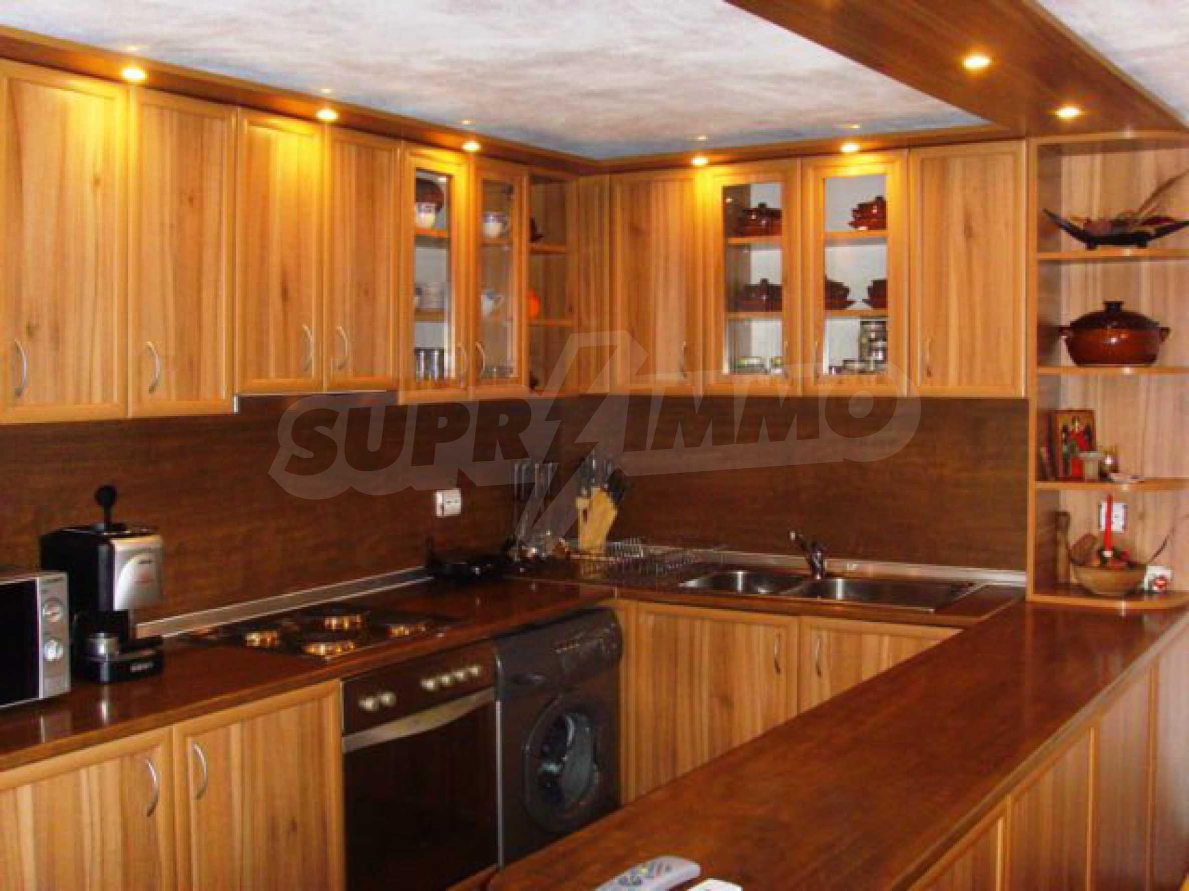 Geräumiges, voll möbliertes und ausgestattetes zweistöckiges Haus in Ribaritsa 22