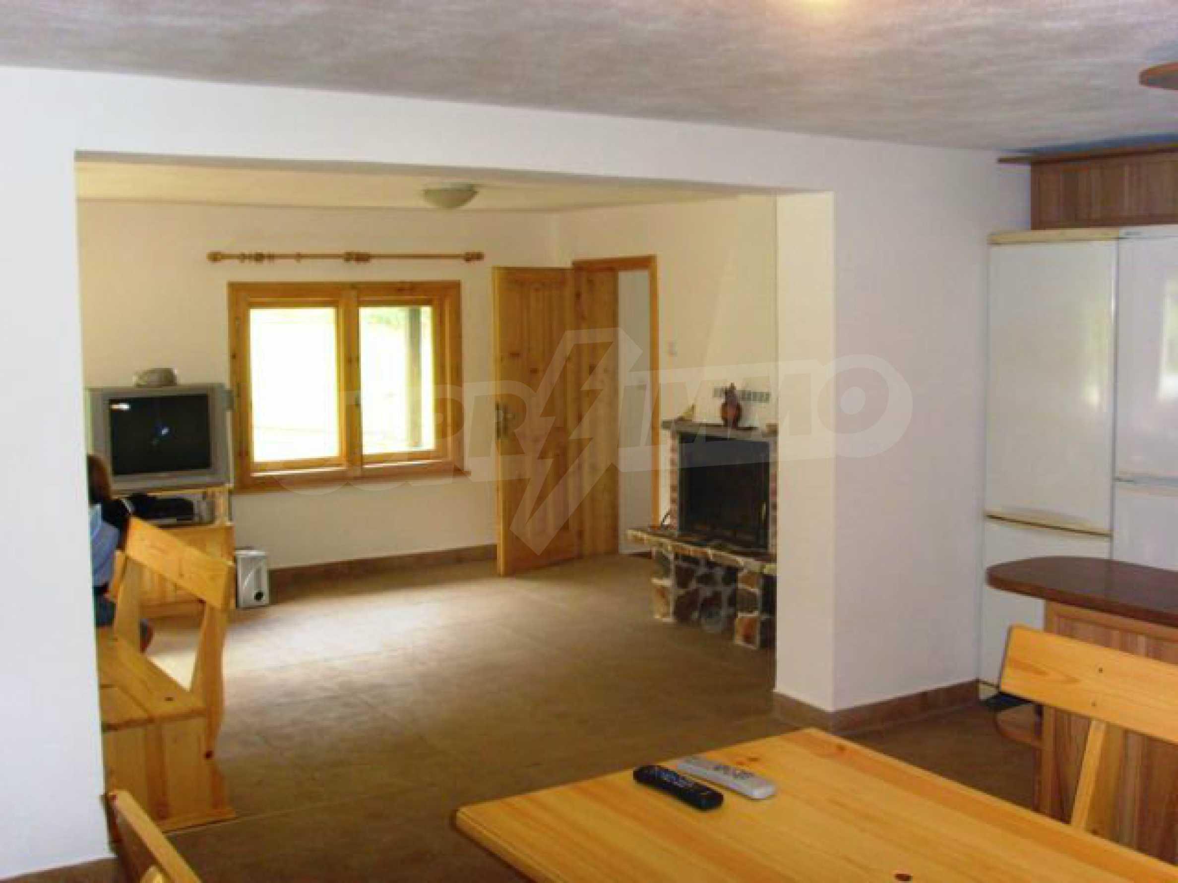 Geräumiges, voll möbliertes und ausgestattetes zweistöckiges Haus in Ribaritsa 23