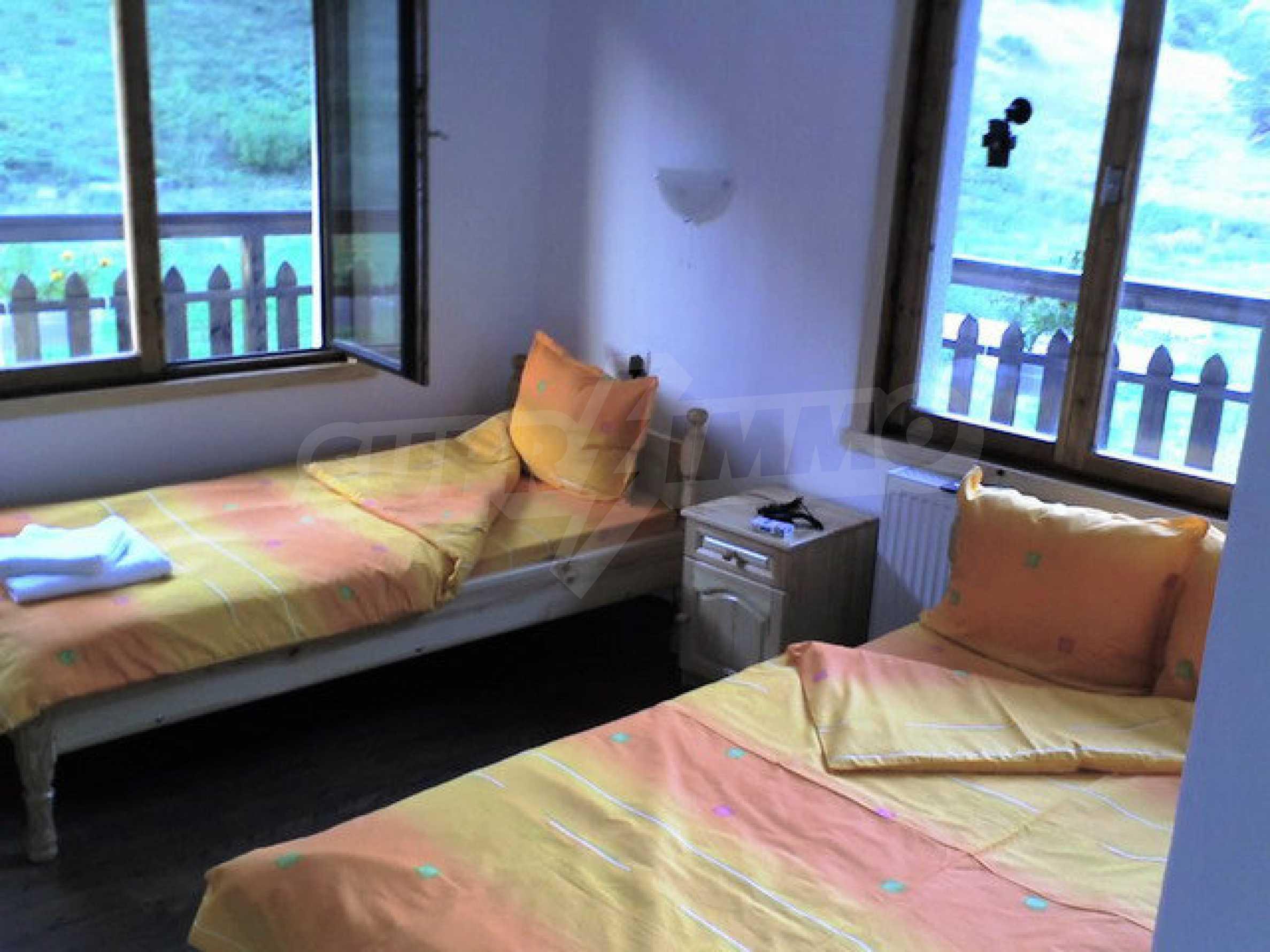 Geräumiges, voll möbliertes und ausgestattetes zweistöckiges Haus in Ribaritsa 45