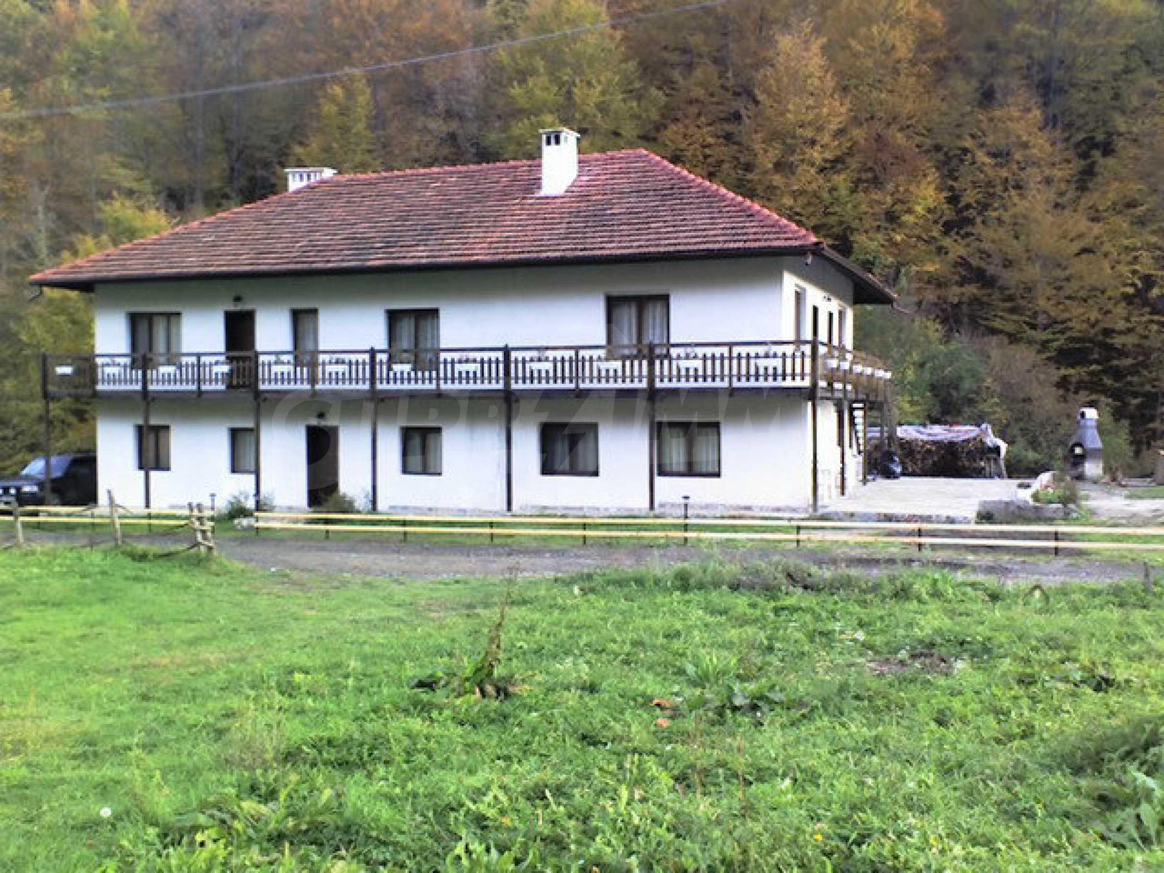 Geräumiges, voll möbliertes und ausgestattetes zweistöckiges Haus in Ribaritsa 8
