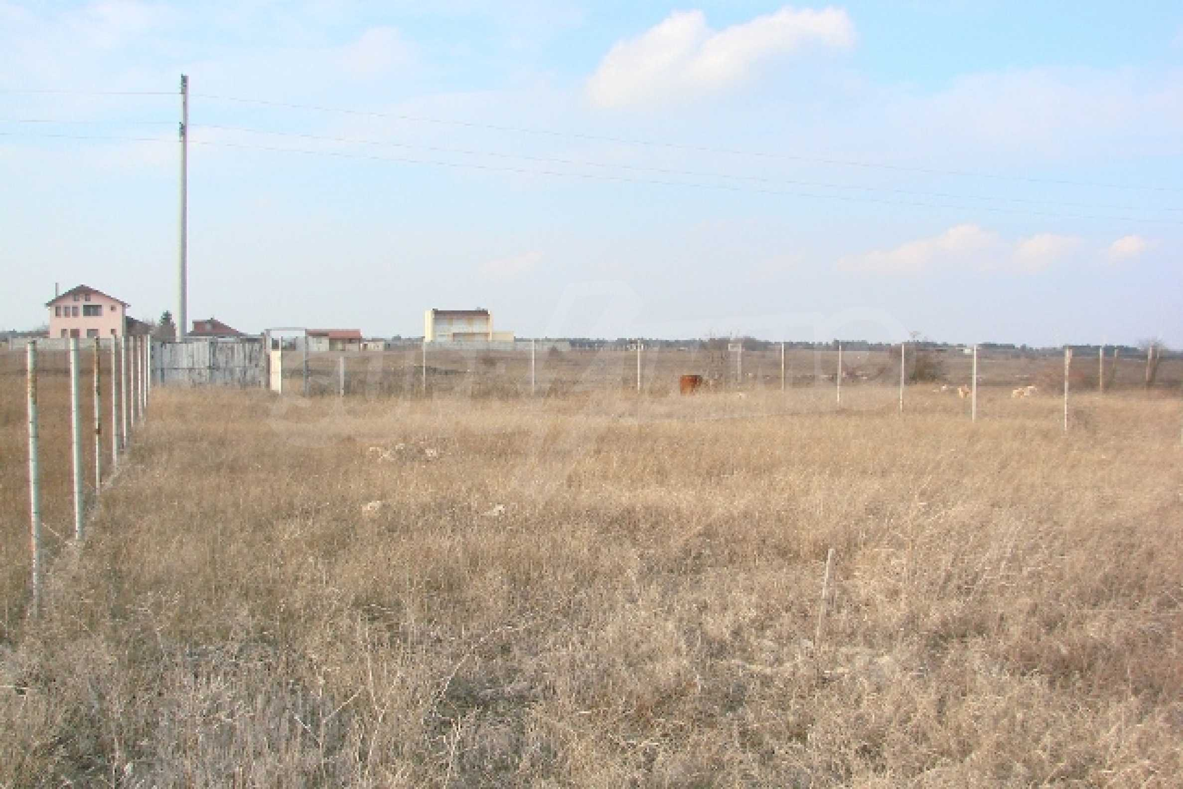 Plot with investment project near golf course  5