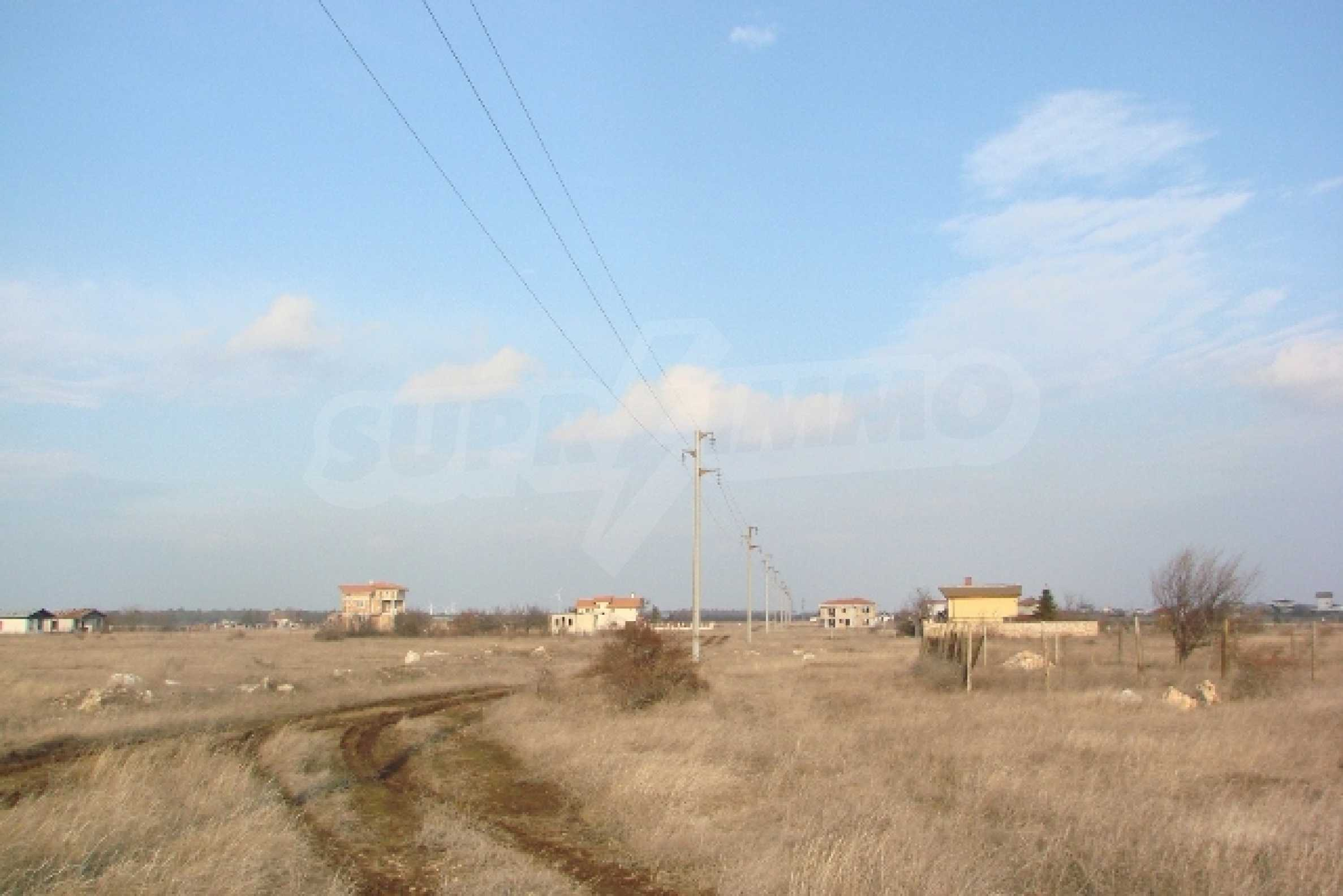 Plot with investment project near golf course  7