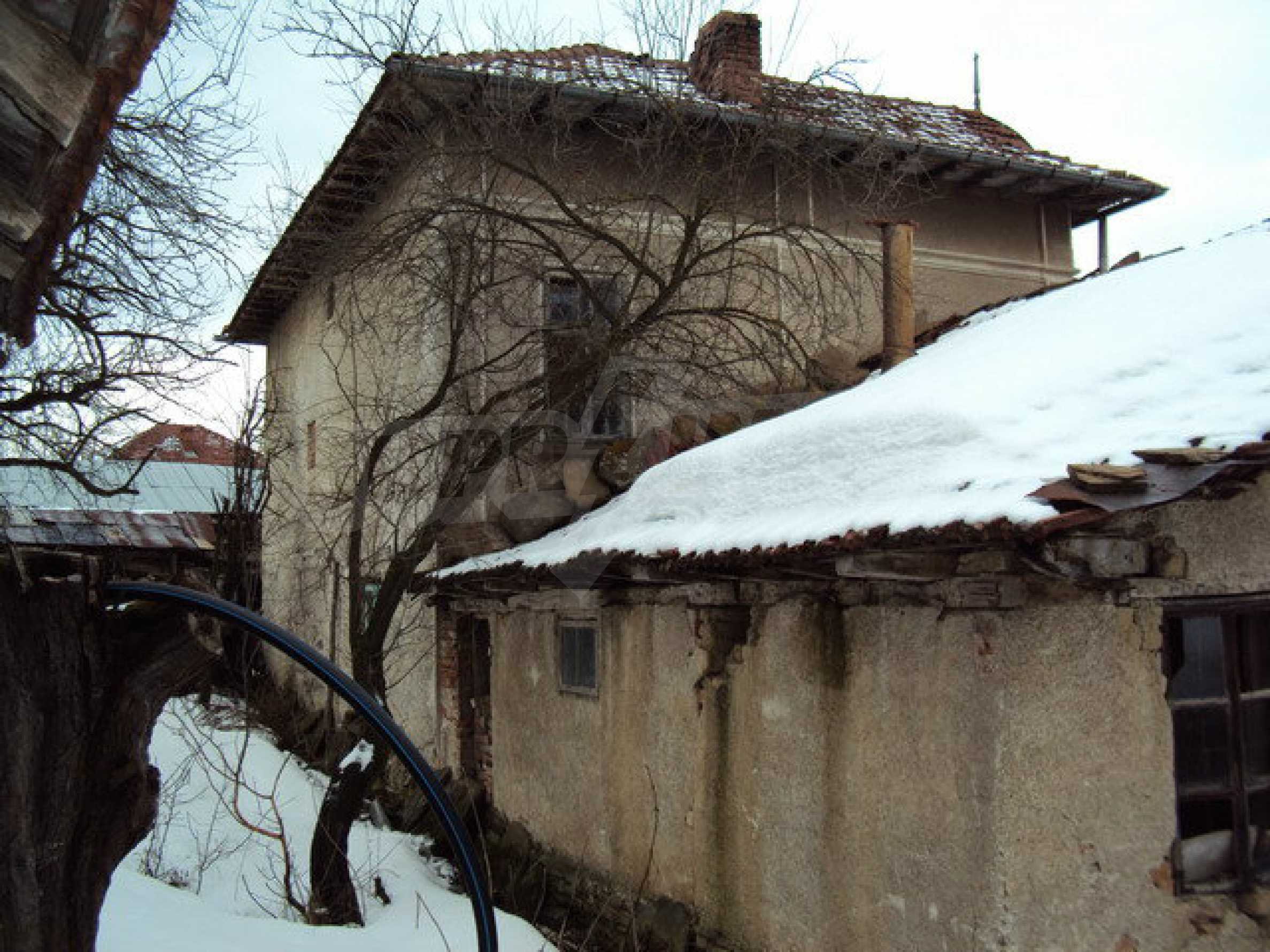Two storey house with outbuildings and garden in a village 30 km. from Veliko Tarnovo 16