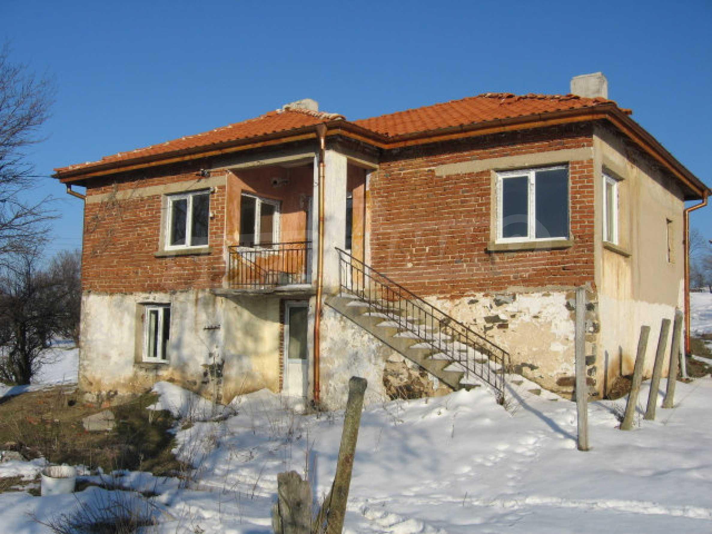Дом в вблизи города Свиленград 1