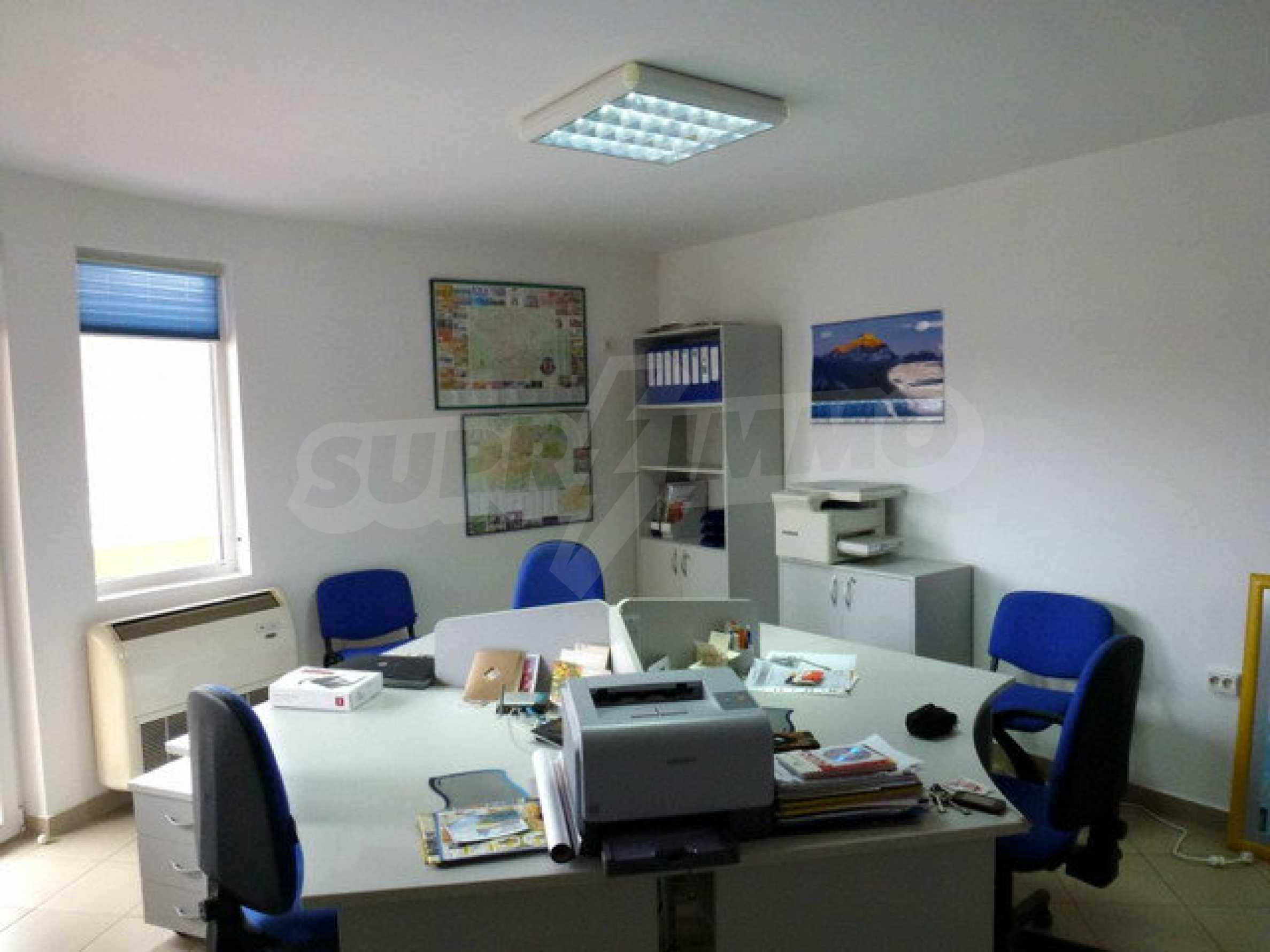 One bedroom apartment used as an office is located in Veliko Tarnovo 2