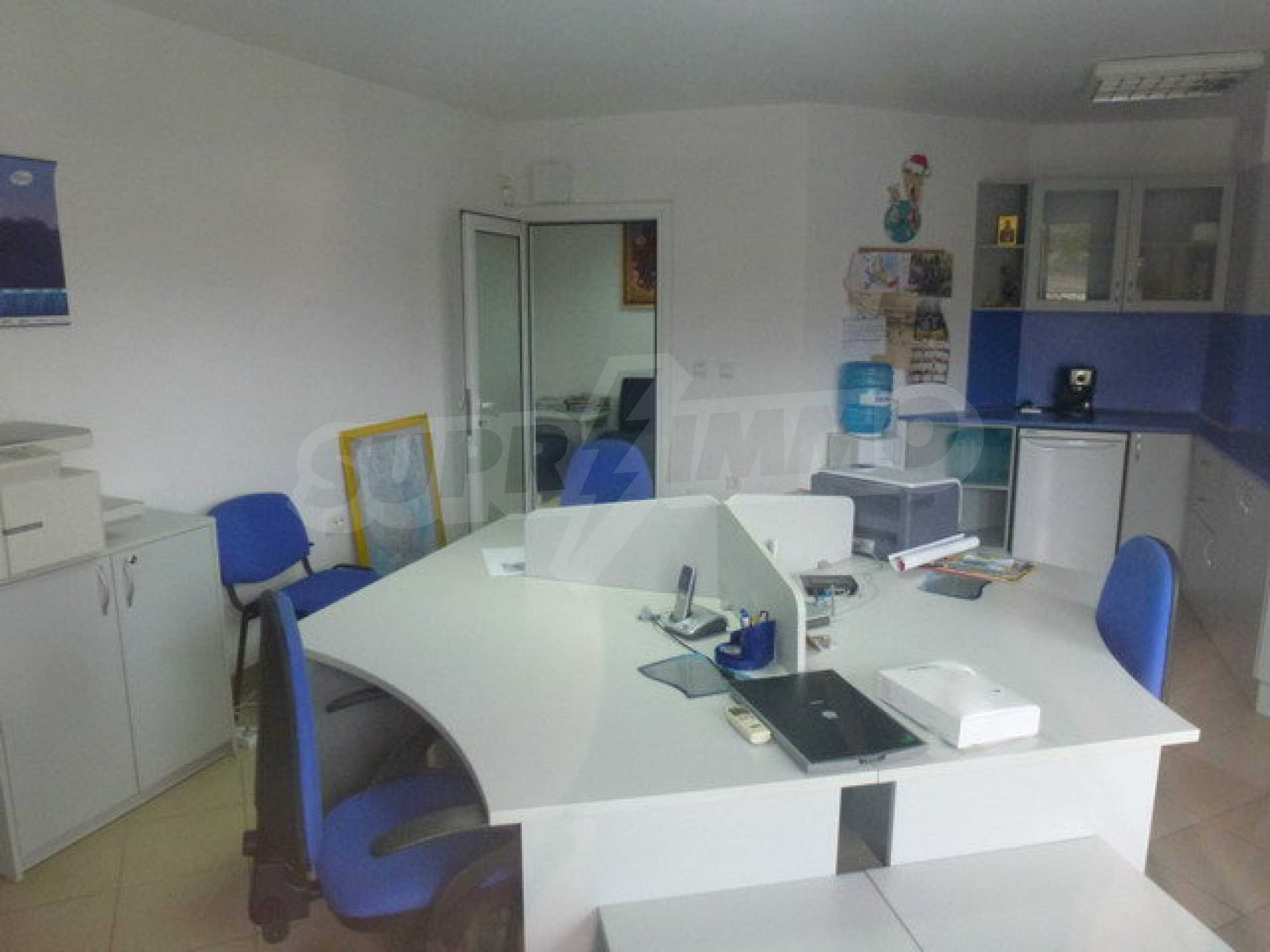 One bedroom apartment used as an office is located in Veliko Tarnovo 5