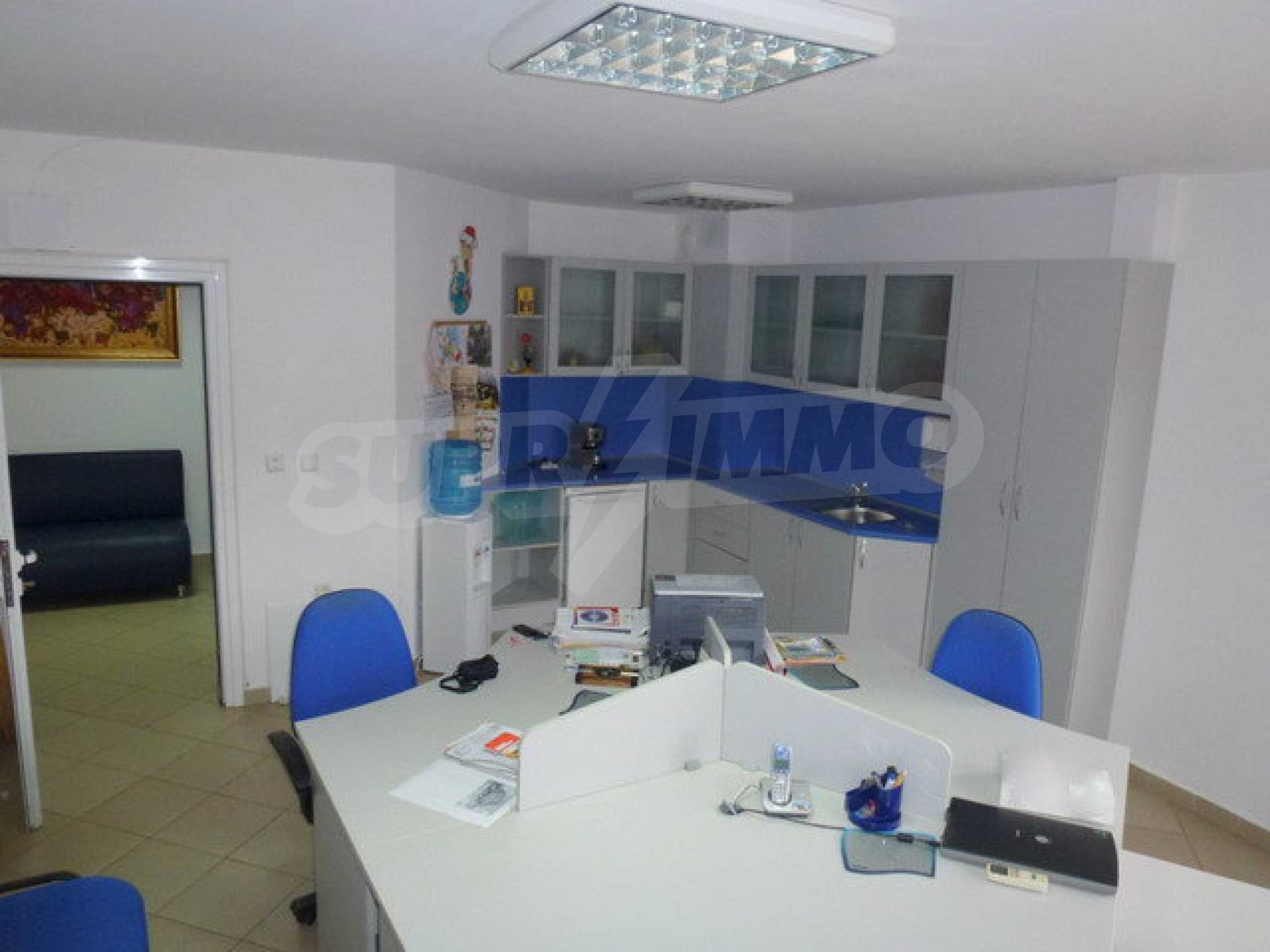 One bedroom apartment used as an office is located in Veliko Tarnovo 6