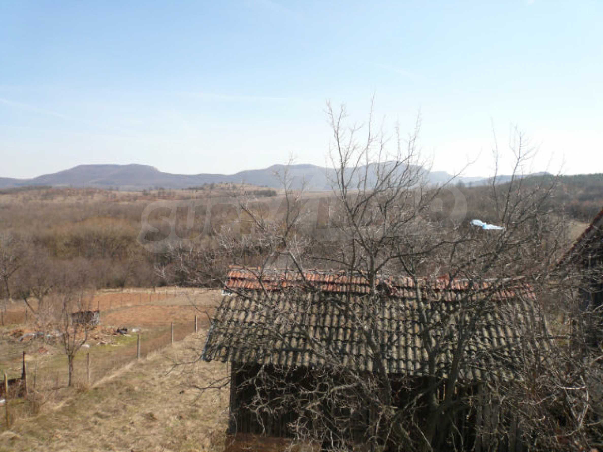 Zweistöckiges Haus in der Nähe von Belogradchik 22