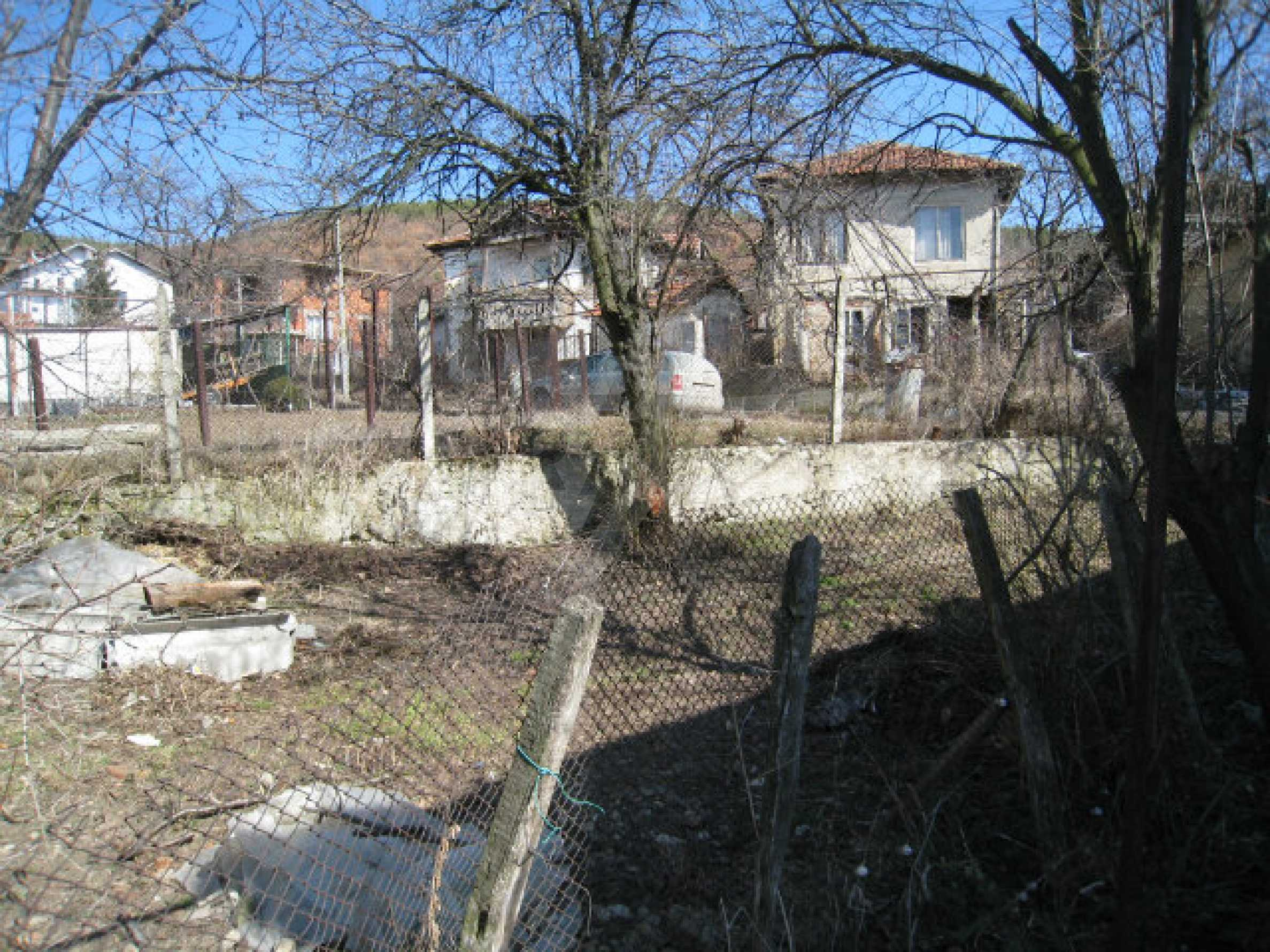 Old house with yard 70 km from Sofia 34
