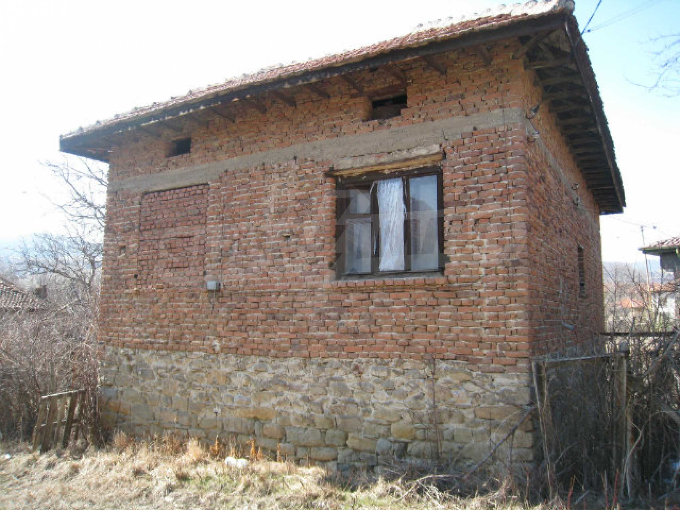Old house with yard 70 km from Sofia 42
