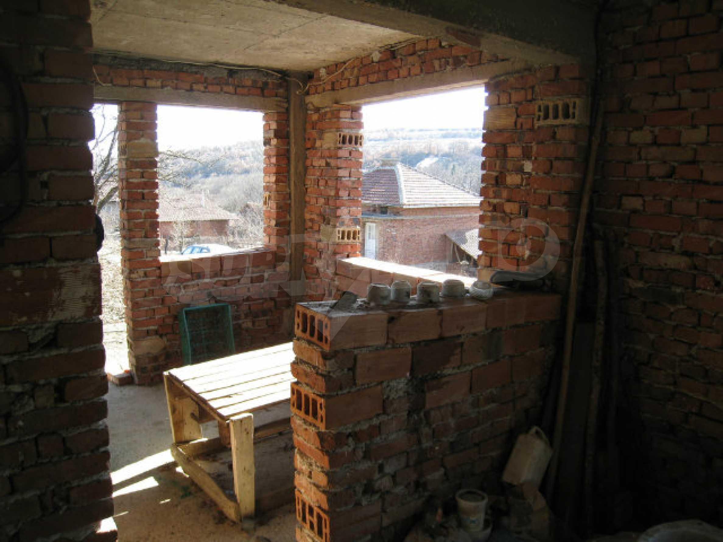 Alte und neue Häuser mit Hof im Dorf 21 km von Kyustendil 11