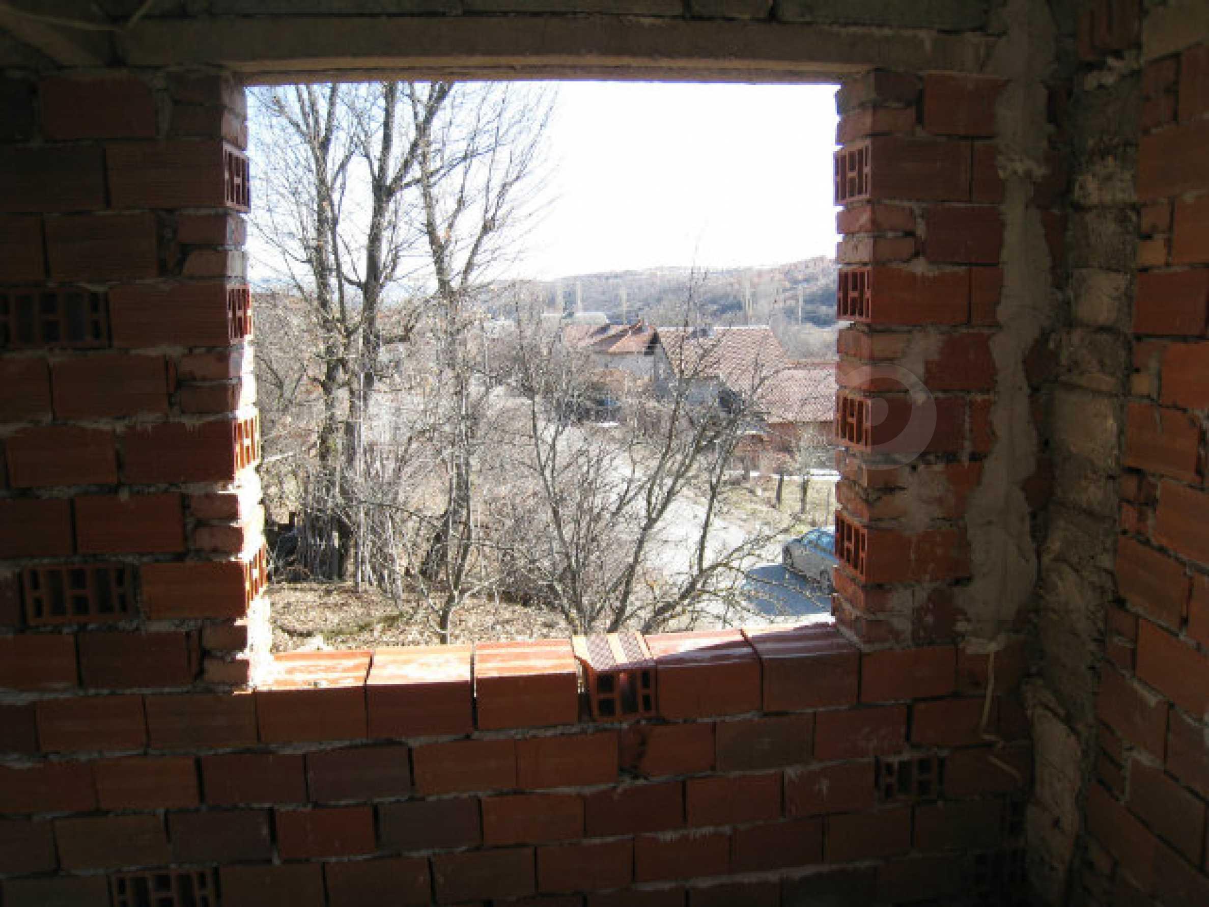 Alte und neue Häuser mit Hof im Dorf 21 km von Kyustendil 16