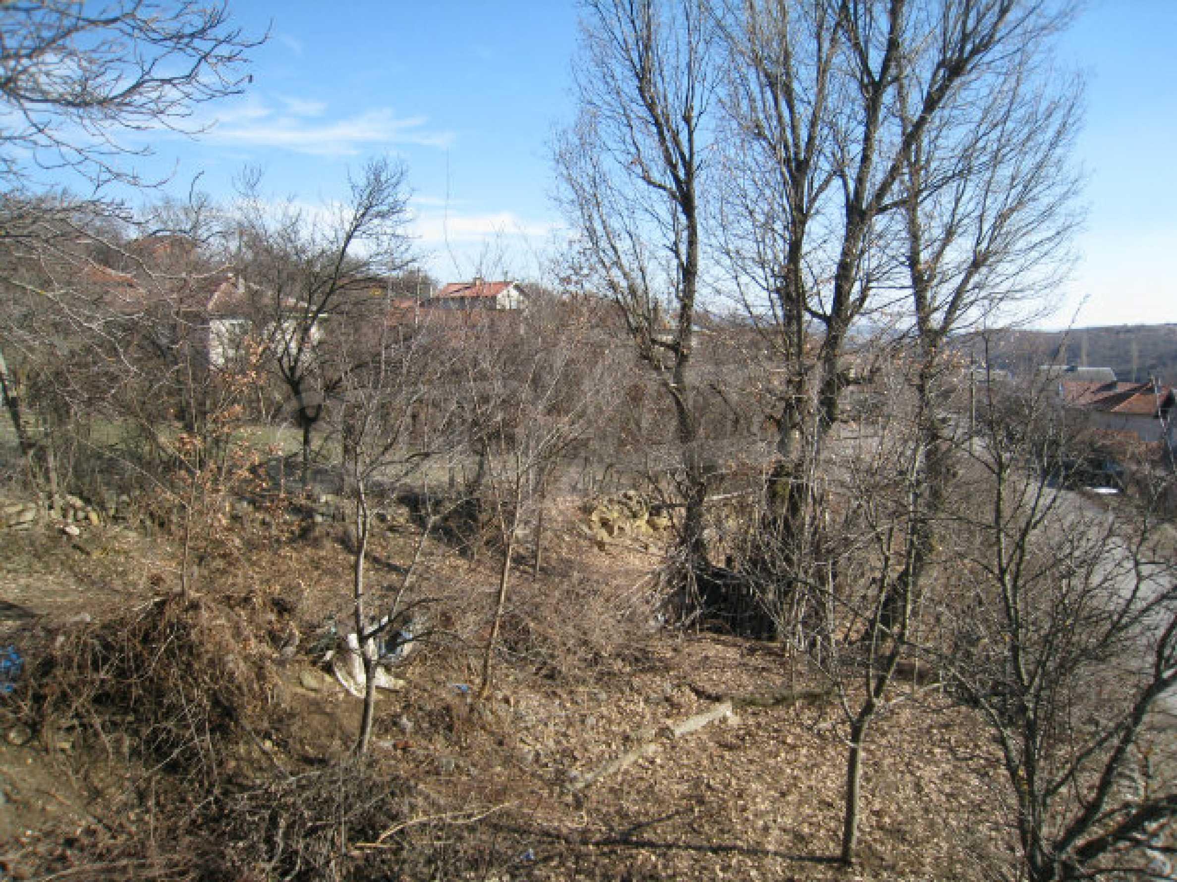 Alte und neue Häuser mit Hof im Dorf 21 km von Kyustendil 18
