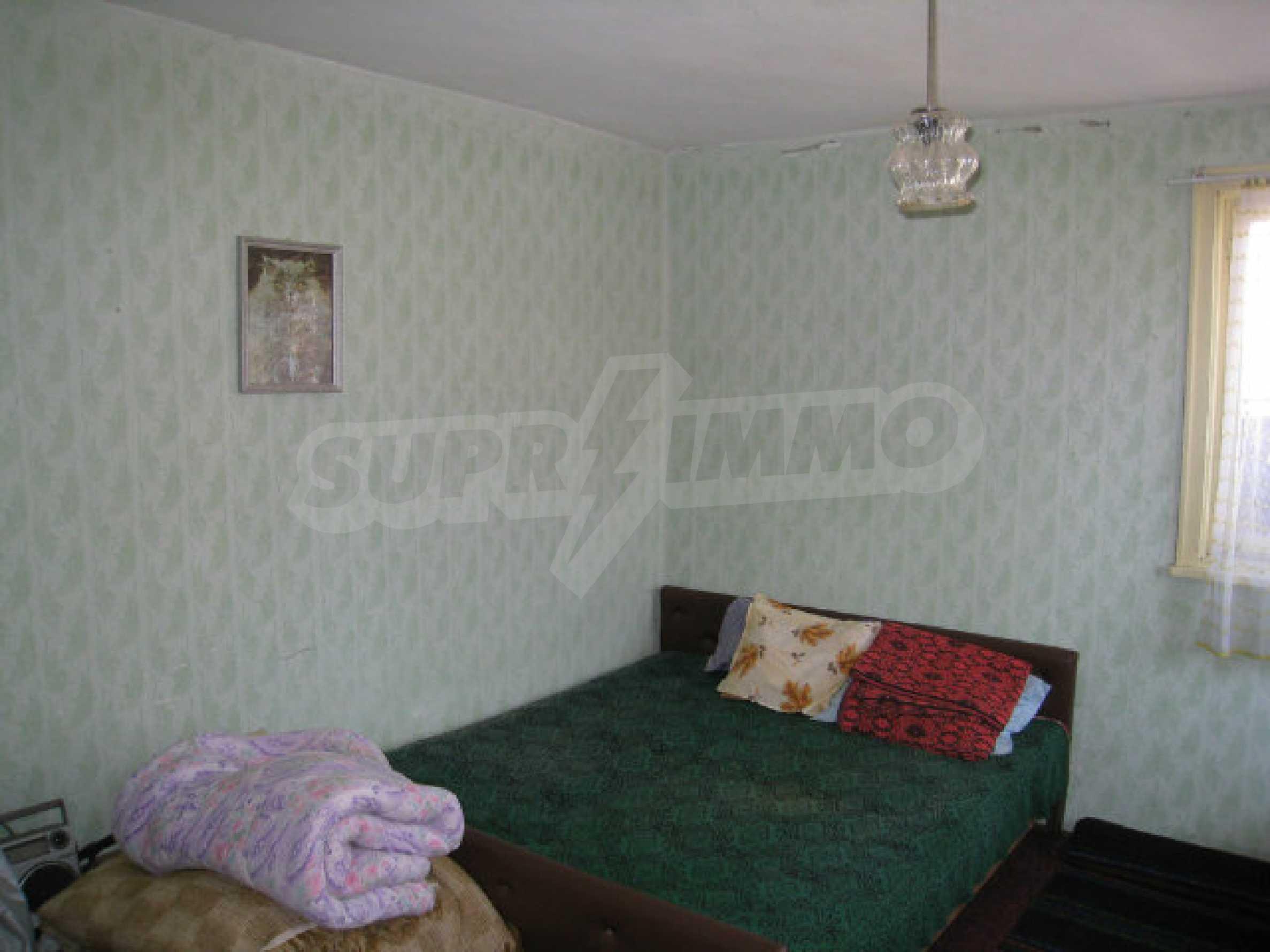 Alte und neue Häuser mit Hof im Dorf 21 km von Kyustendil 36
