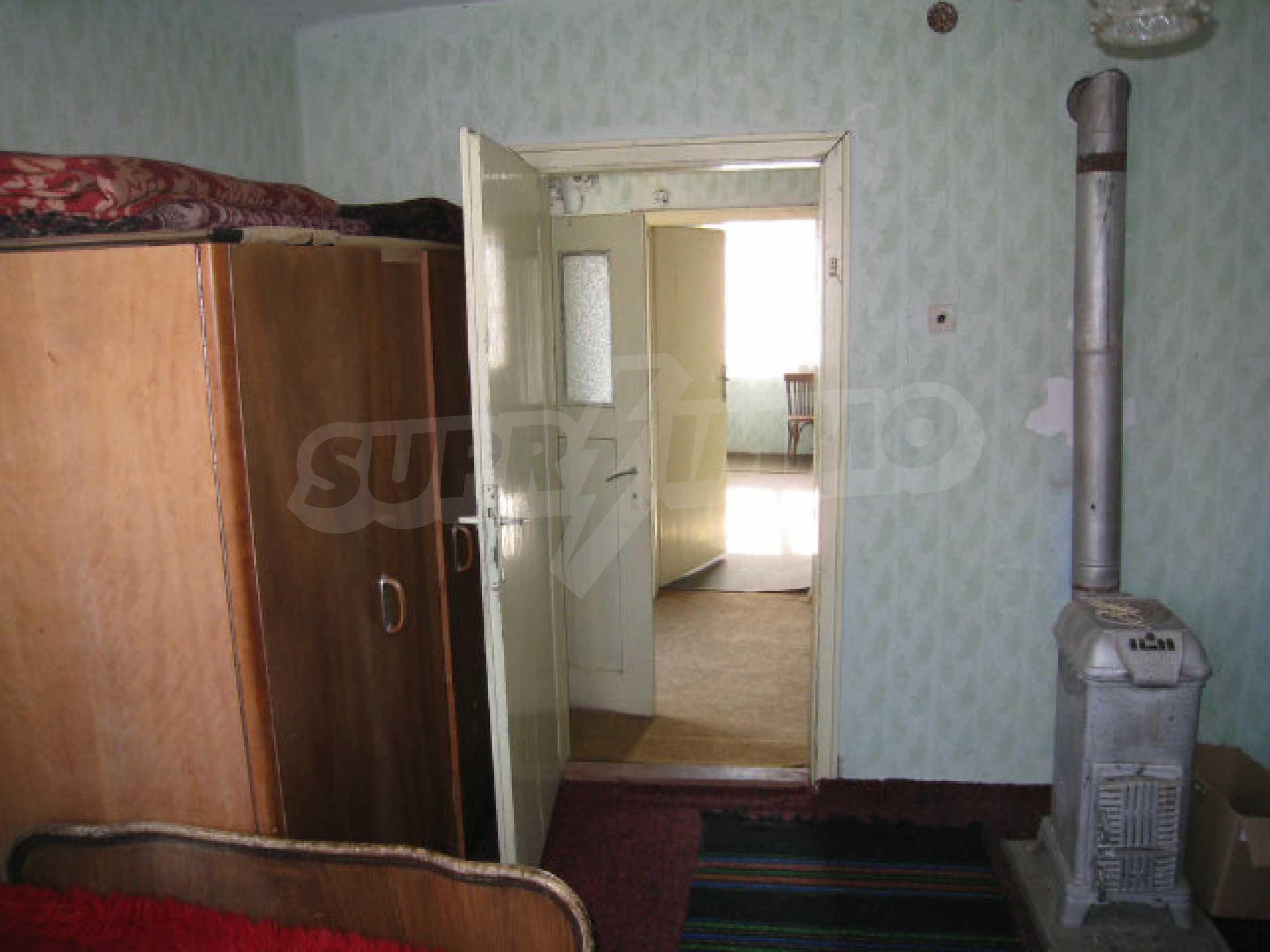 Alte und neue Häuser mit Hof im Dorf 21 km von Kyustendil 39
