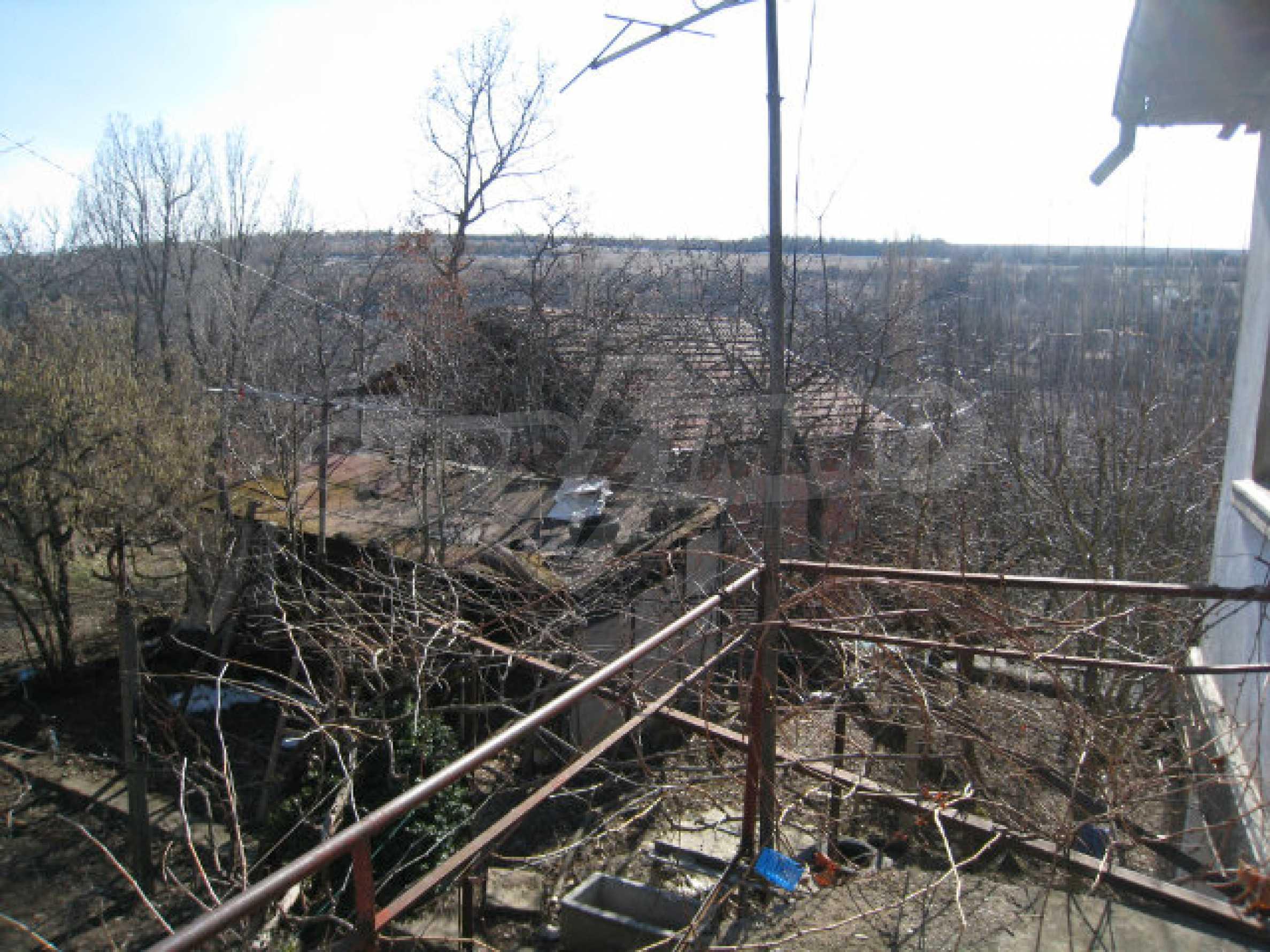 Alte und neue Häuser mit Hof im Dorf 21 km von Kyustendil 42