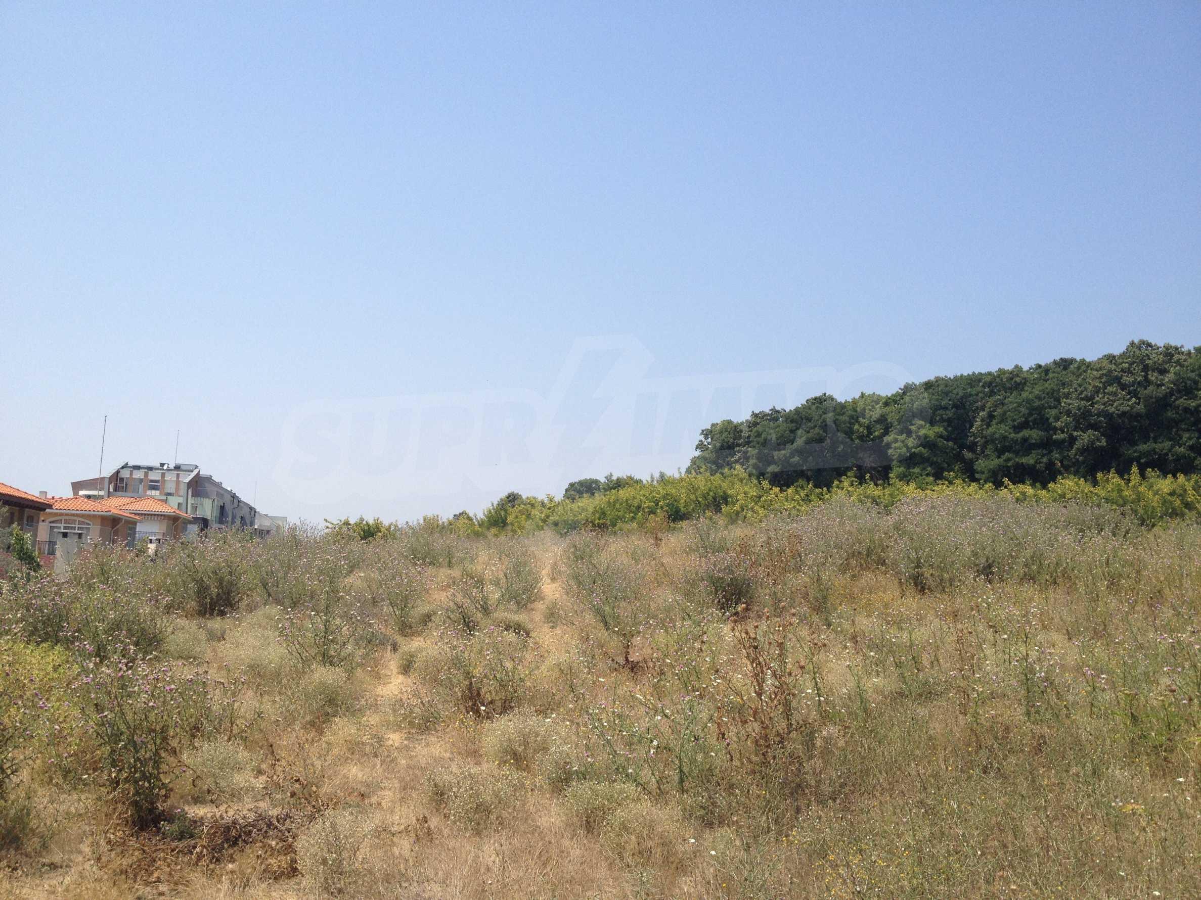 Land zum Verkauf in der Nähe von Sunny Beach 3