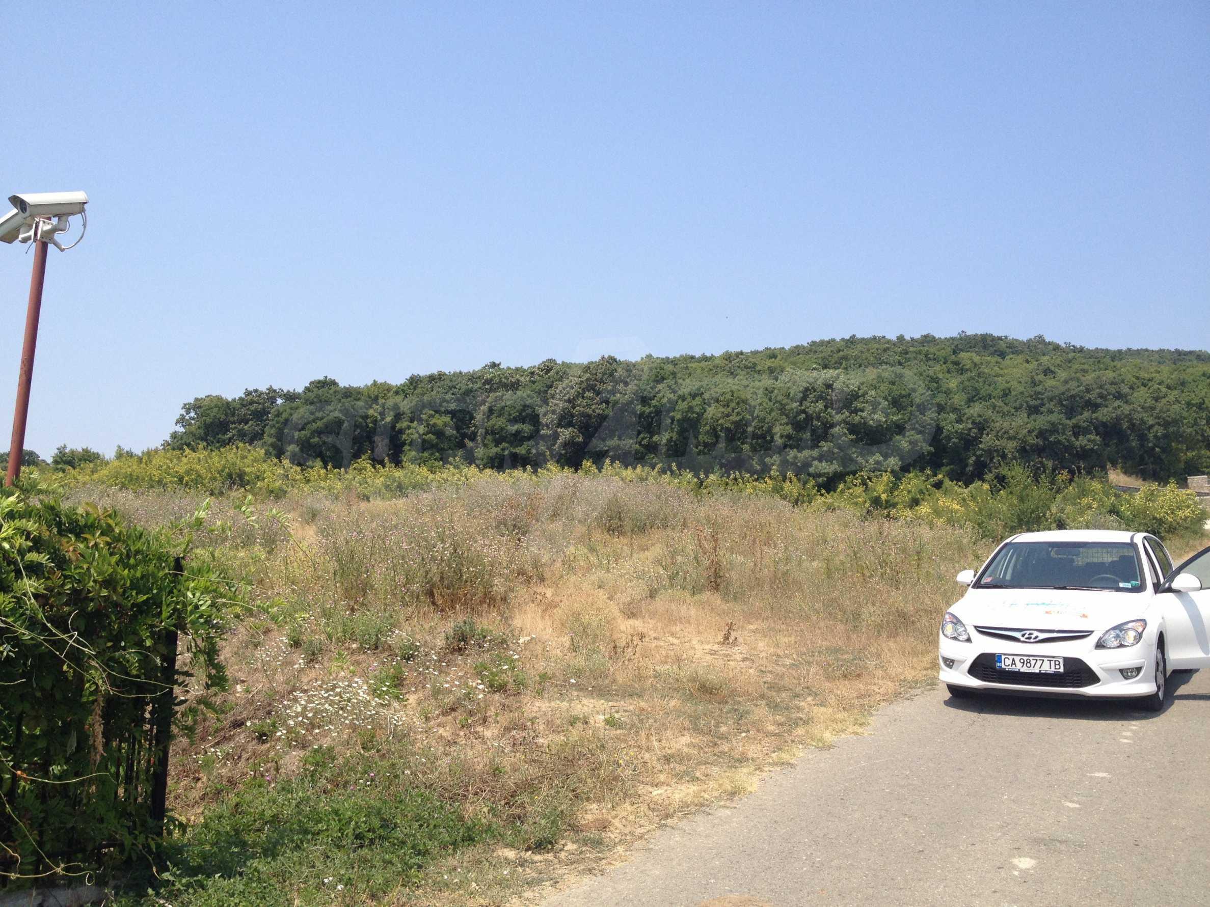Land zum Verkauf in der Nähe von Sunny Beach 6
