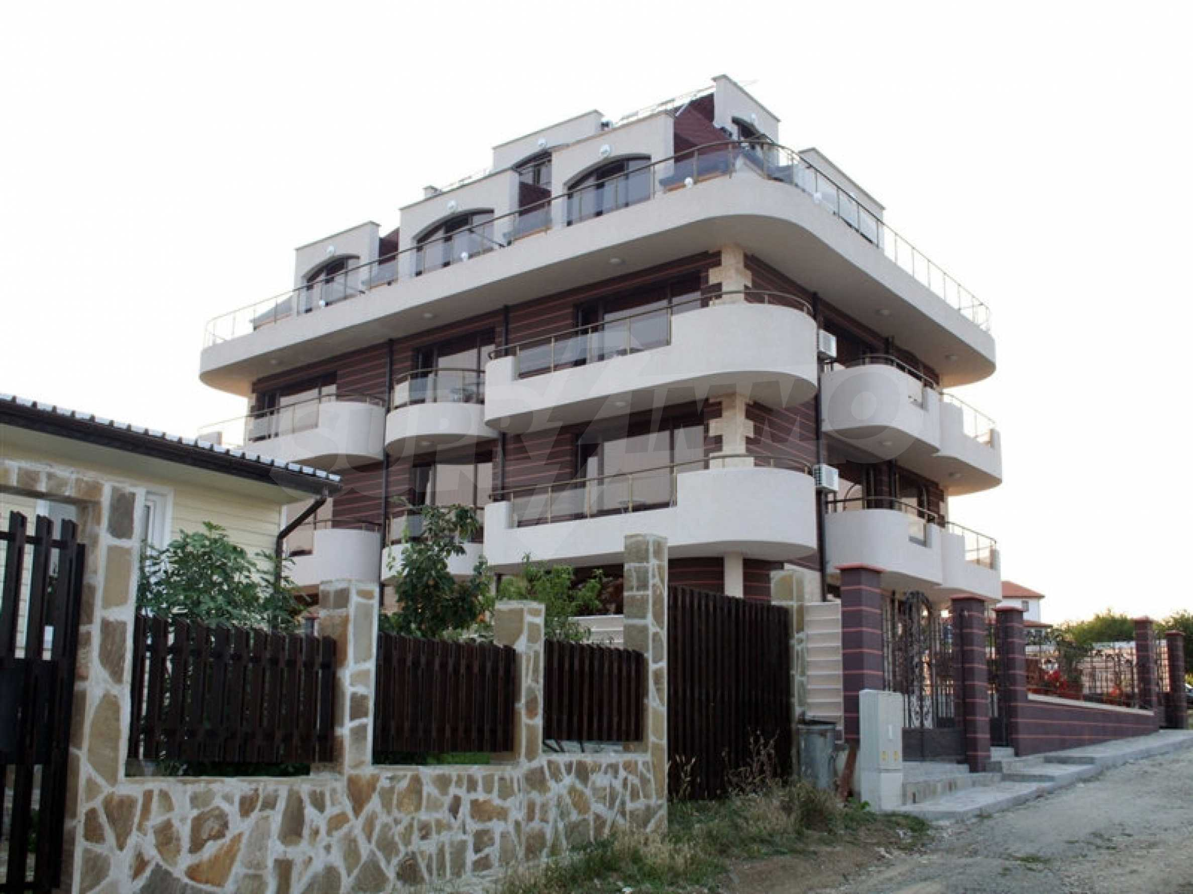Hotel zum Verkauf in Rezovo 1
