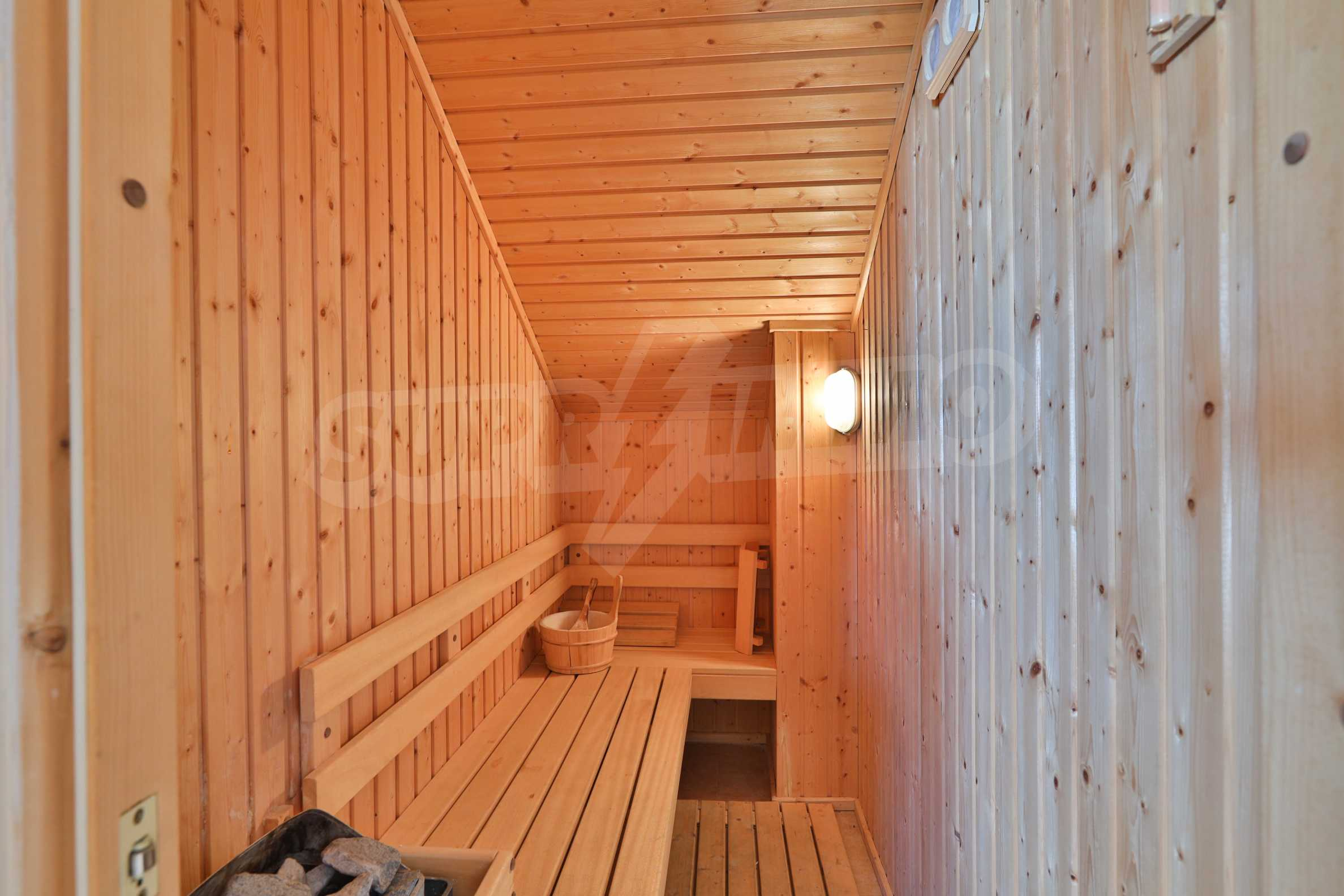 Fully furnished two-bedroom chalet in Redenka Holiday Club 9