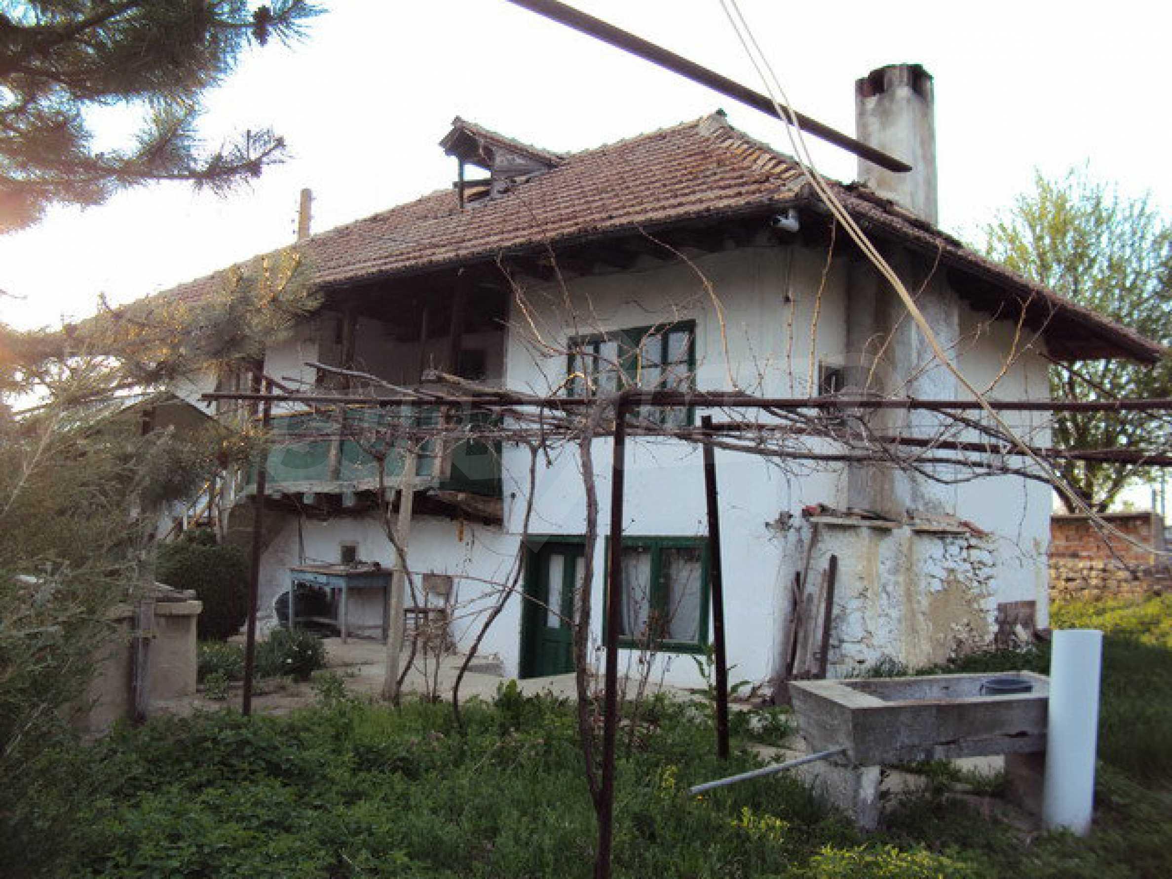Zweistöckiges Haus mit großem Garten in einem schönen und gut entwickelten Dorf 30 km. von Veliko Tarnovo 1