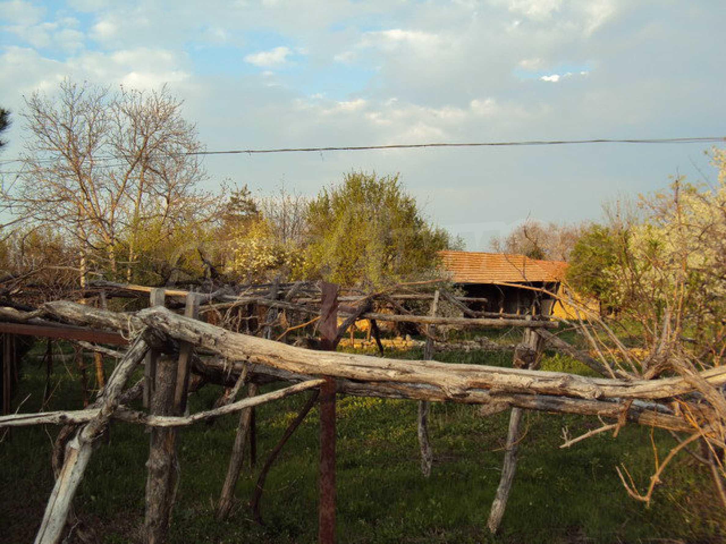 Zweistöckiges Haus mit großem Garten in einem schönen und gut entwickelten Dorf 30 km. von Veliko Tarnovo 21