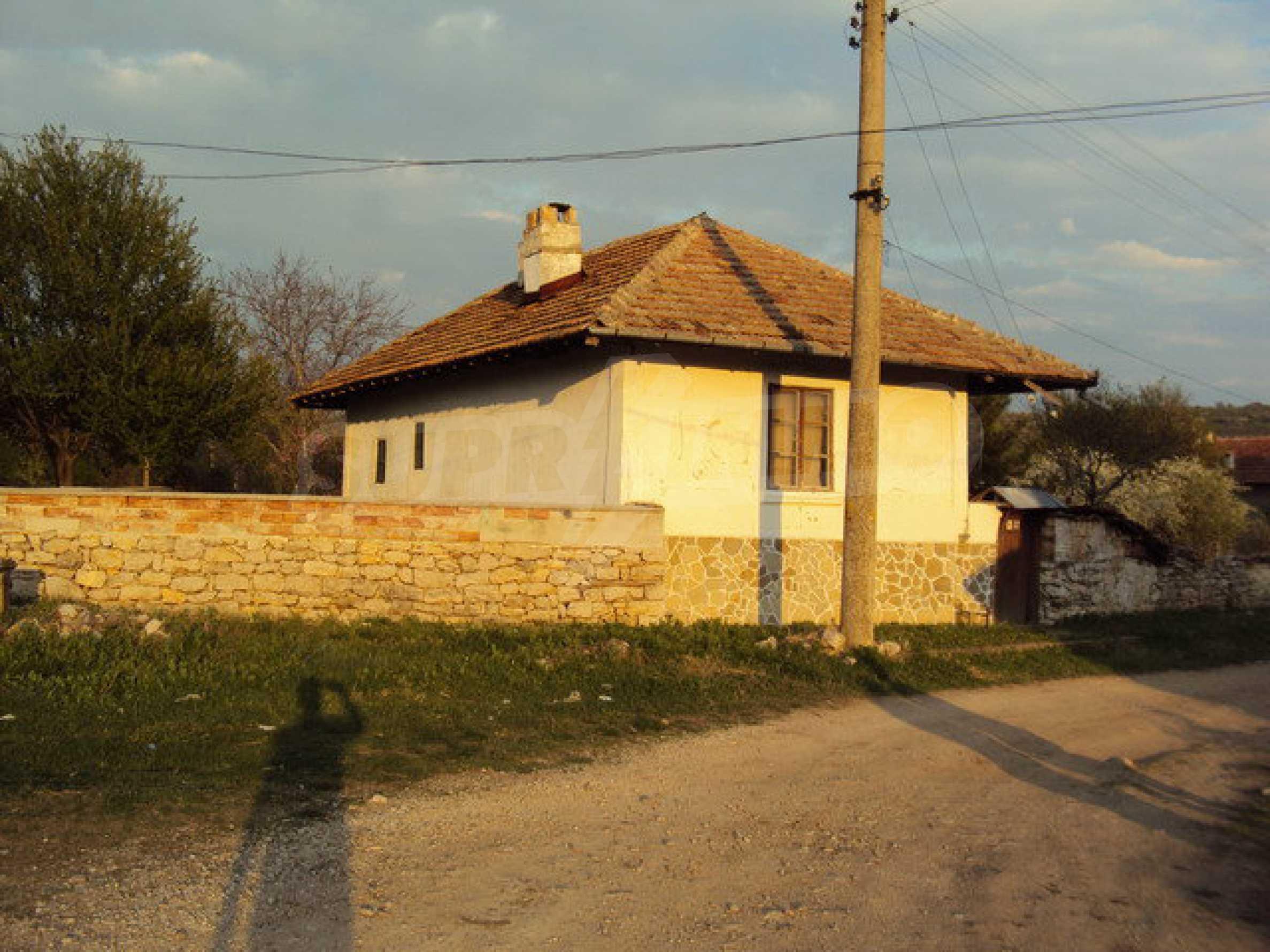 Zweistöckiges Haus mit großem Garten in einem schönen und gut entwickelten Dorf 30 km. von Veliko Tarnovo 6