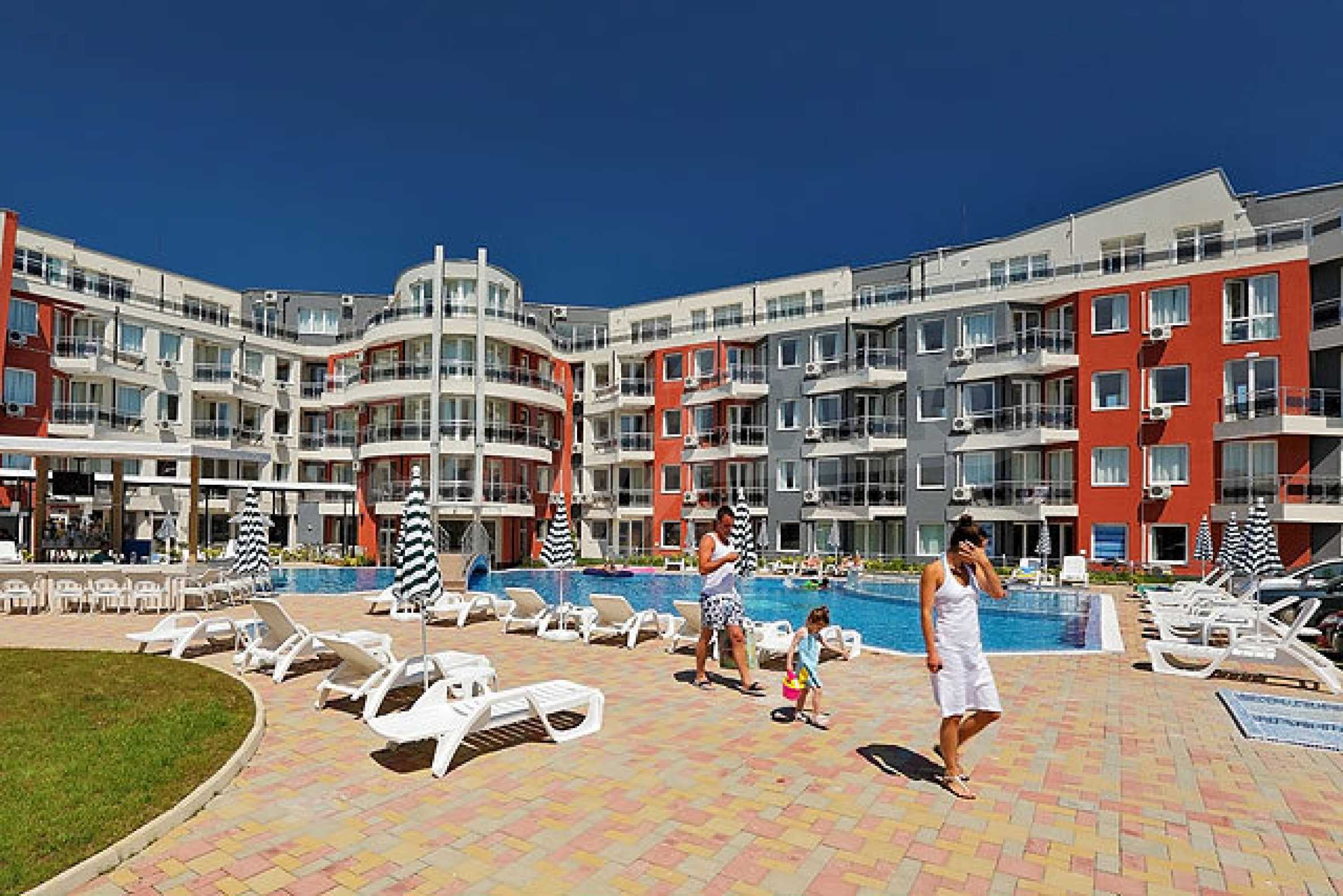 Two-bedroom apartment in Emberli complex in Lozenets 2