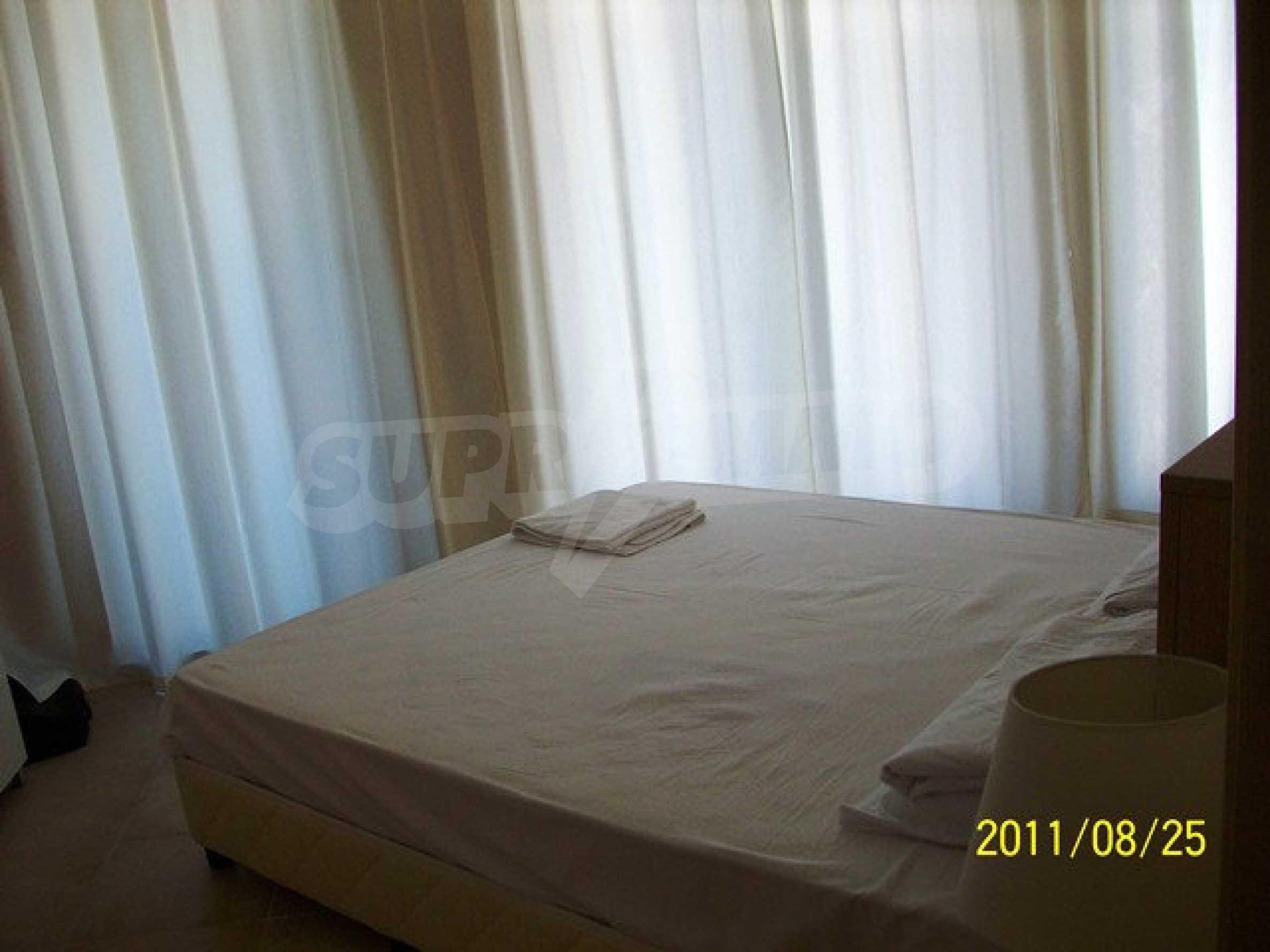 Two-bedroom apartment in Emberli complex in Lozenets 18