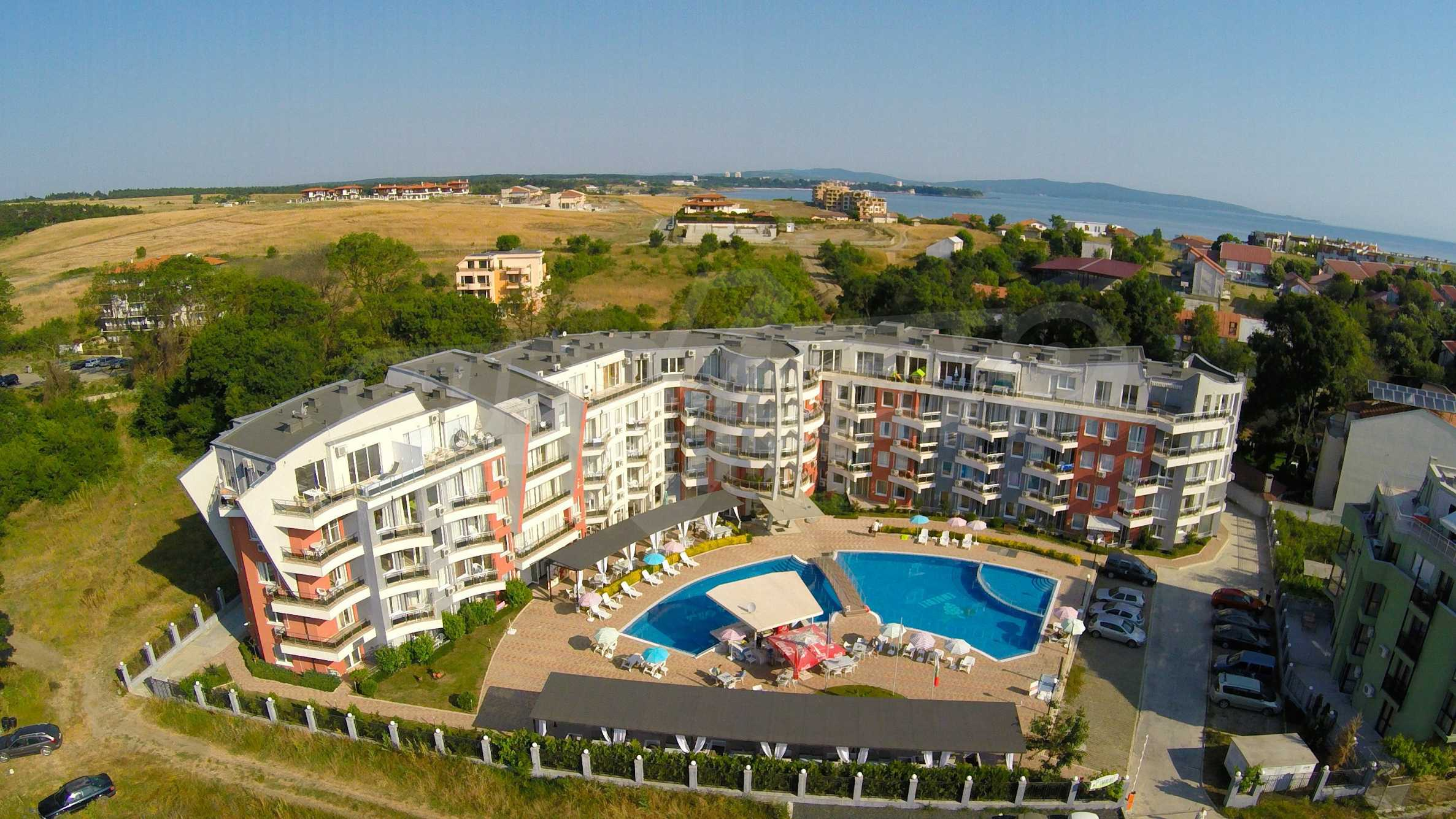 Two-bedroom apartment in Emberli complex in Lozenets 25