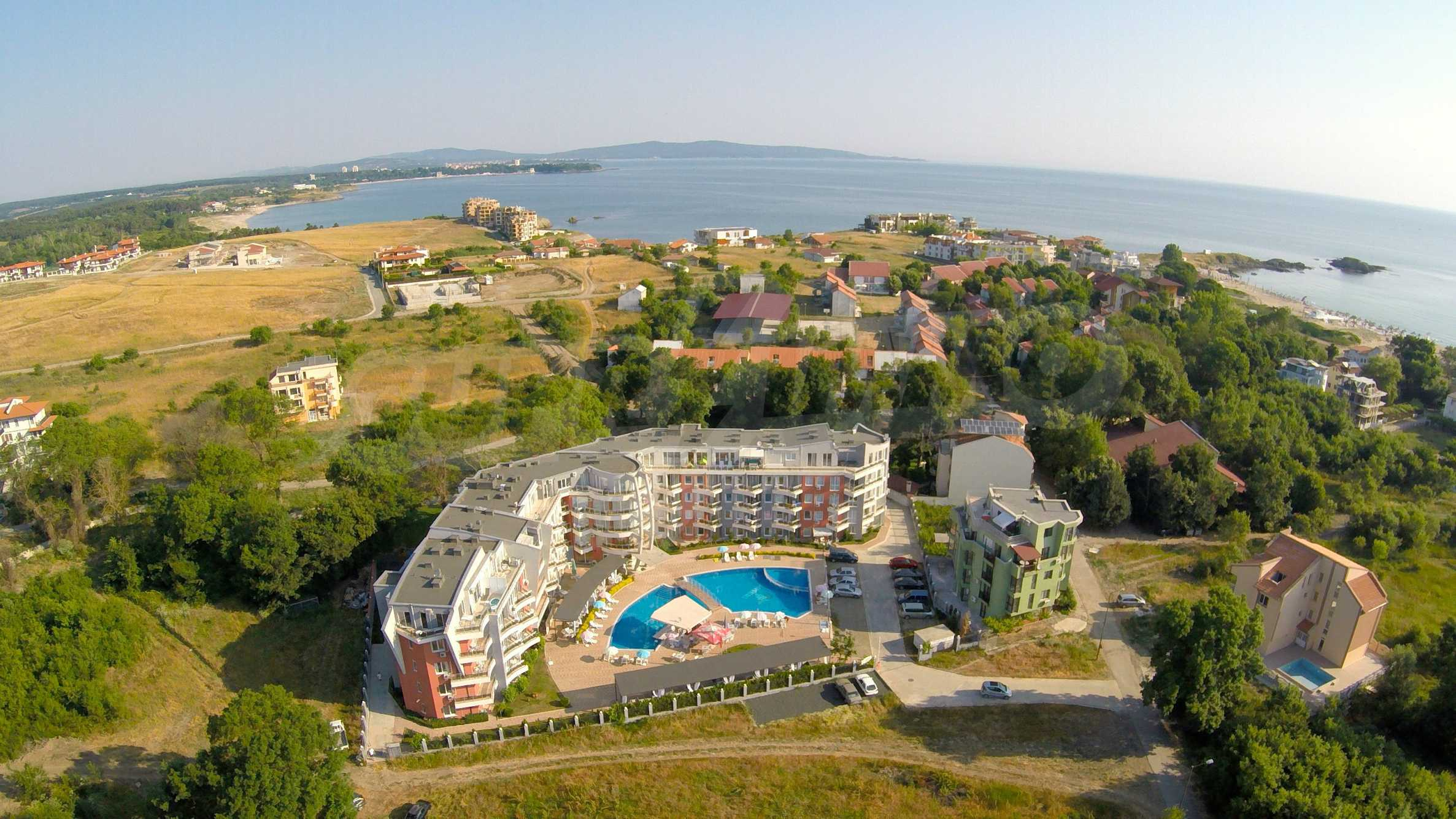 Two-bedroom apartment in Emberli complex in Lozenets 27