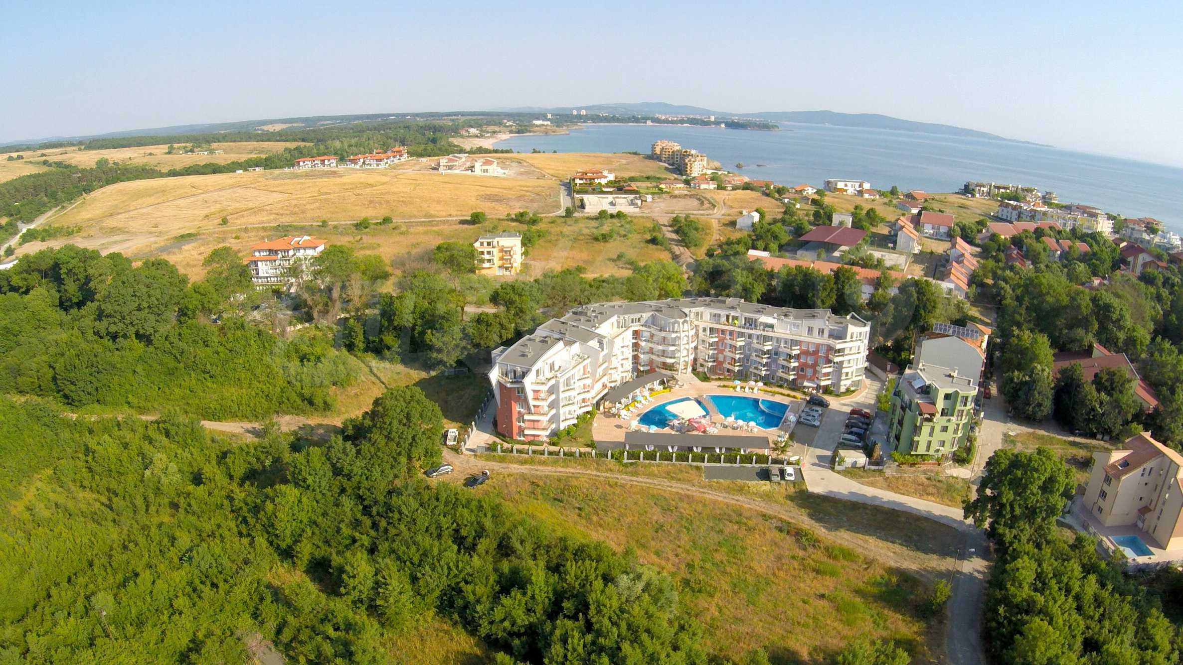 Two-bedroom apartment in Emberli complex in Lozenets 28