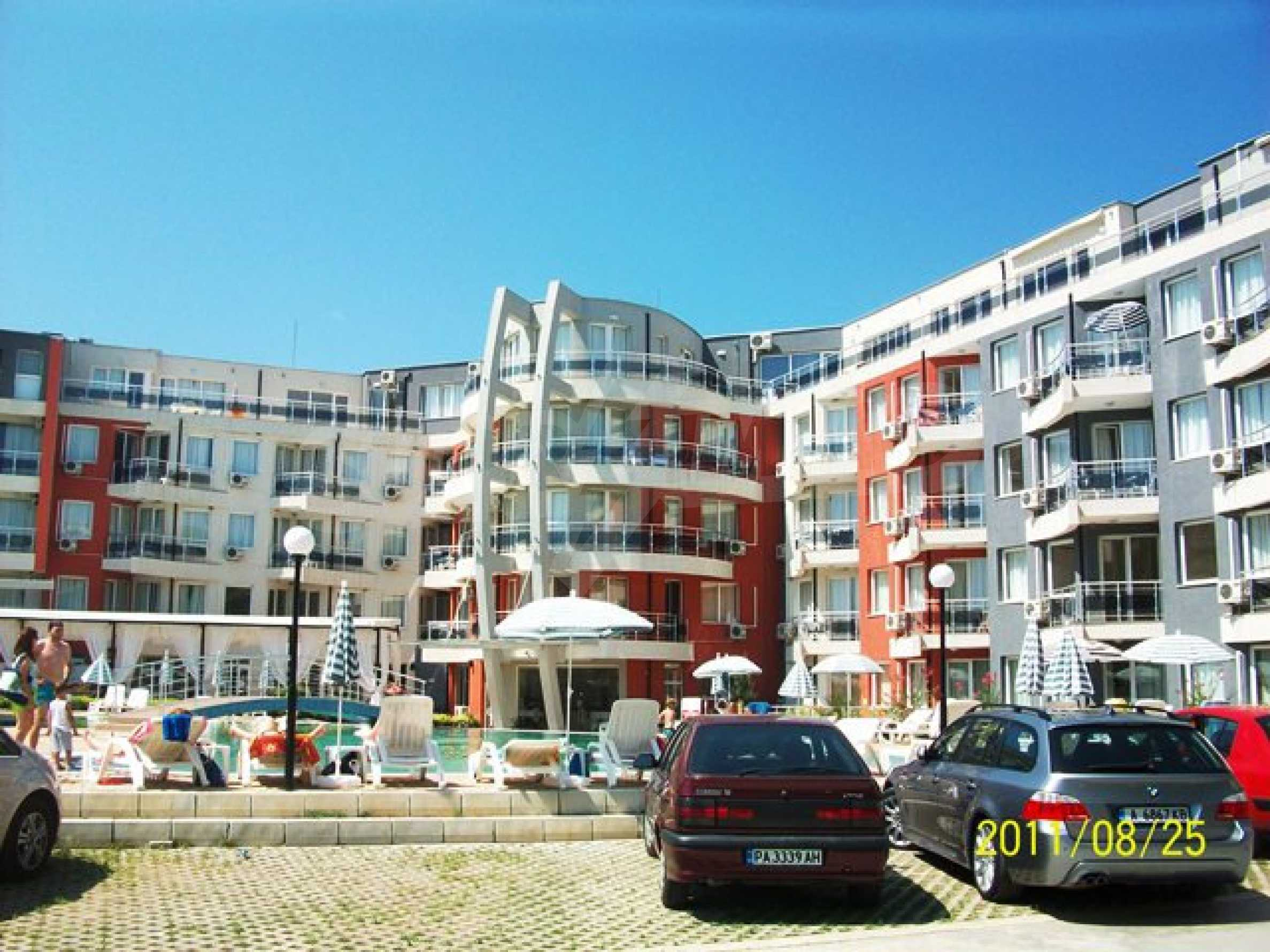 Two-bedroom apartment in Emberli complex in Lozenets 4