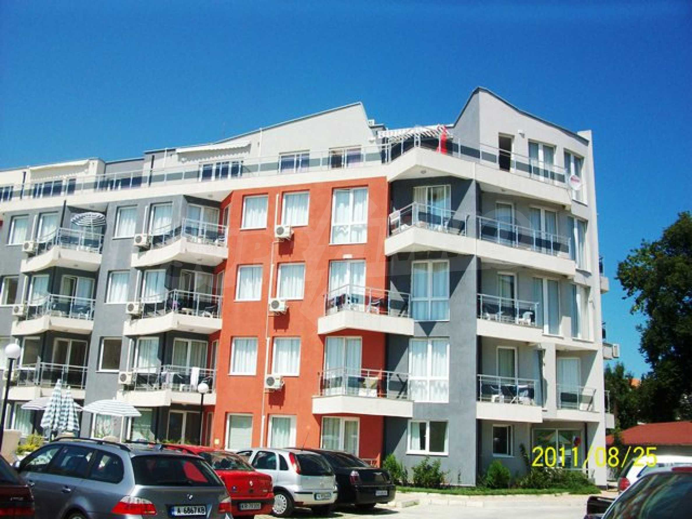 Two-bedroom apartment in Emberli complex in Lozenets 5