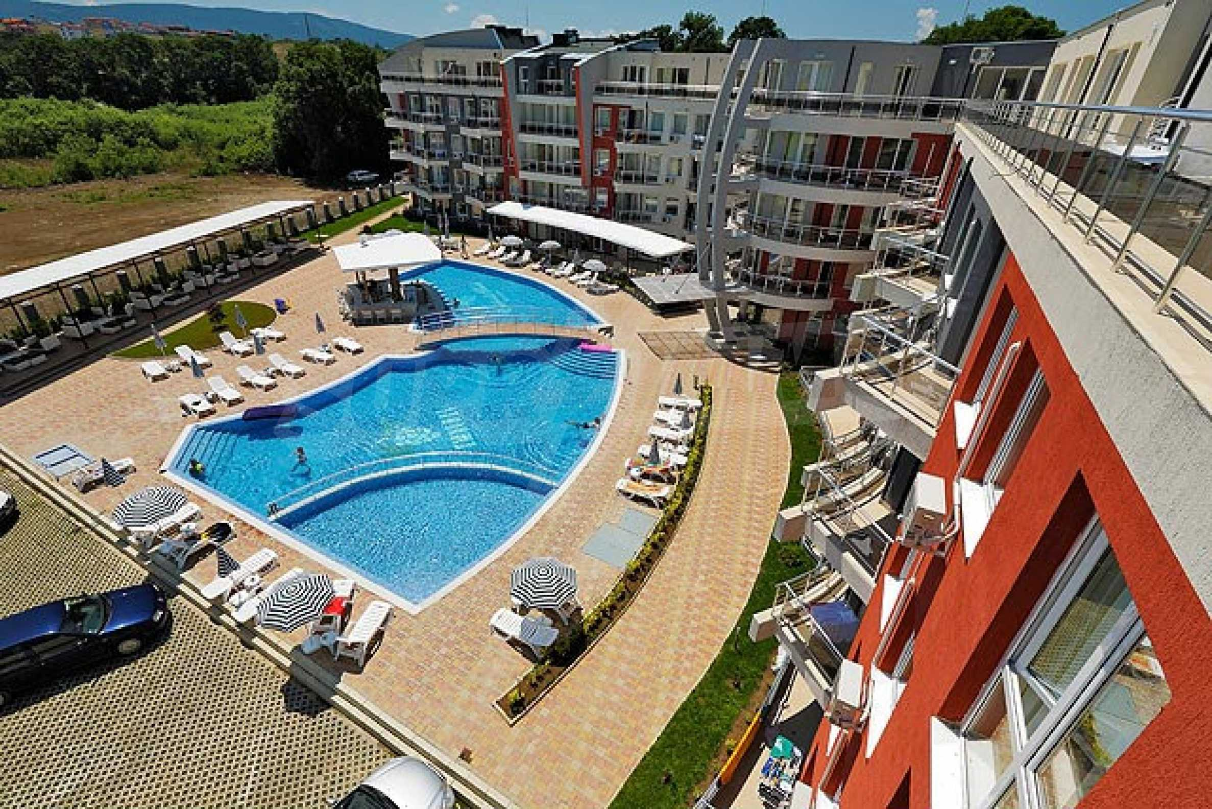Two-bedroom apartment in Emberli complex in Lozenets 8
