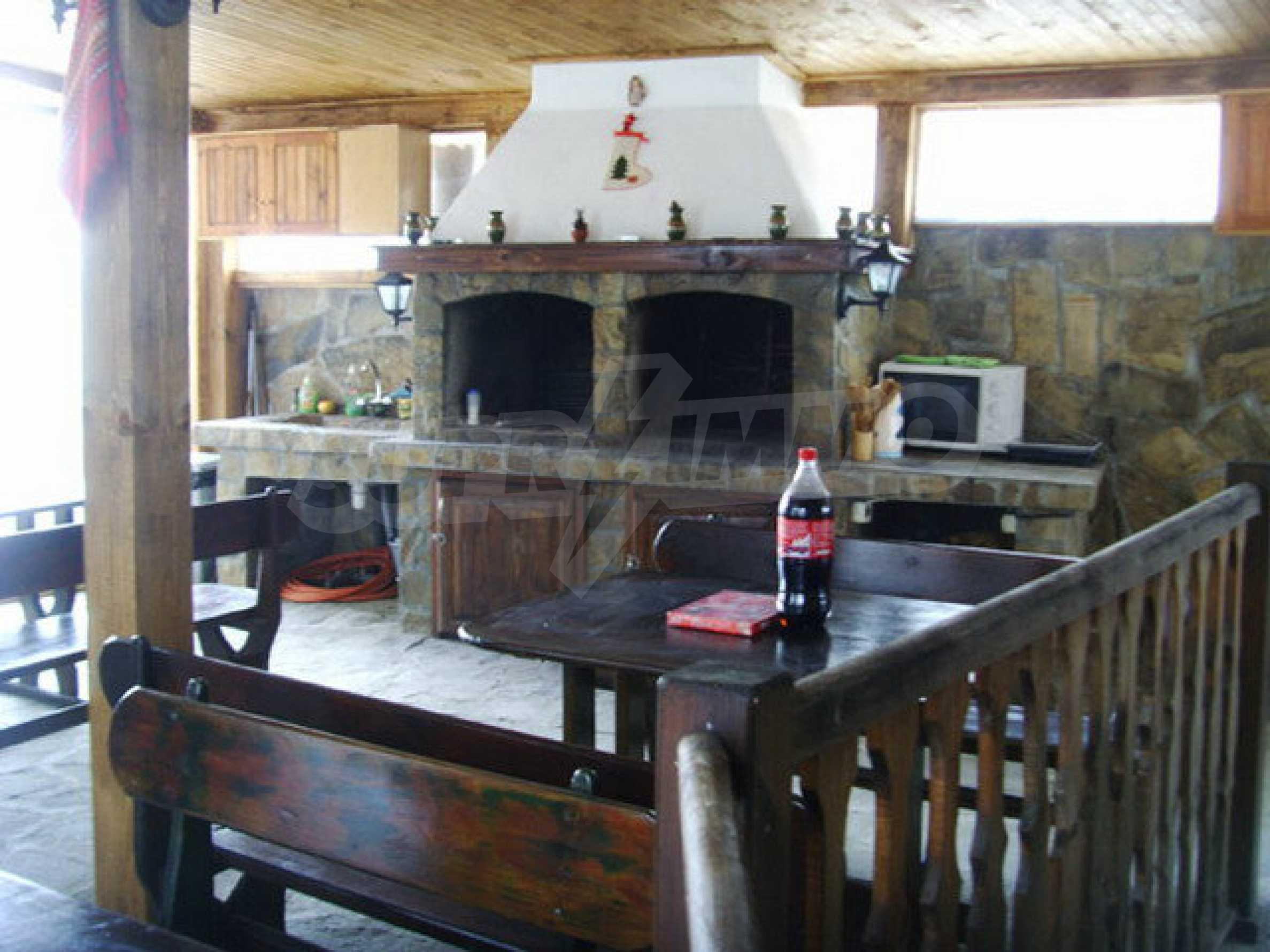 Zwei Gästehäuser in einer attraktiven Gegend mit heißen Mineralquellen in der Nähe der Stadt Troyan 9
