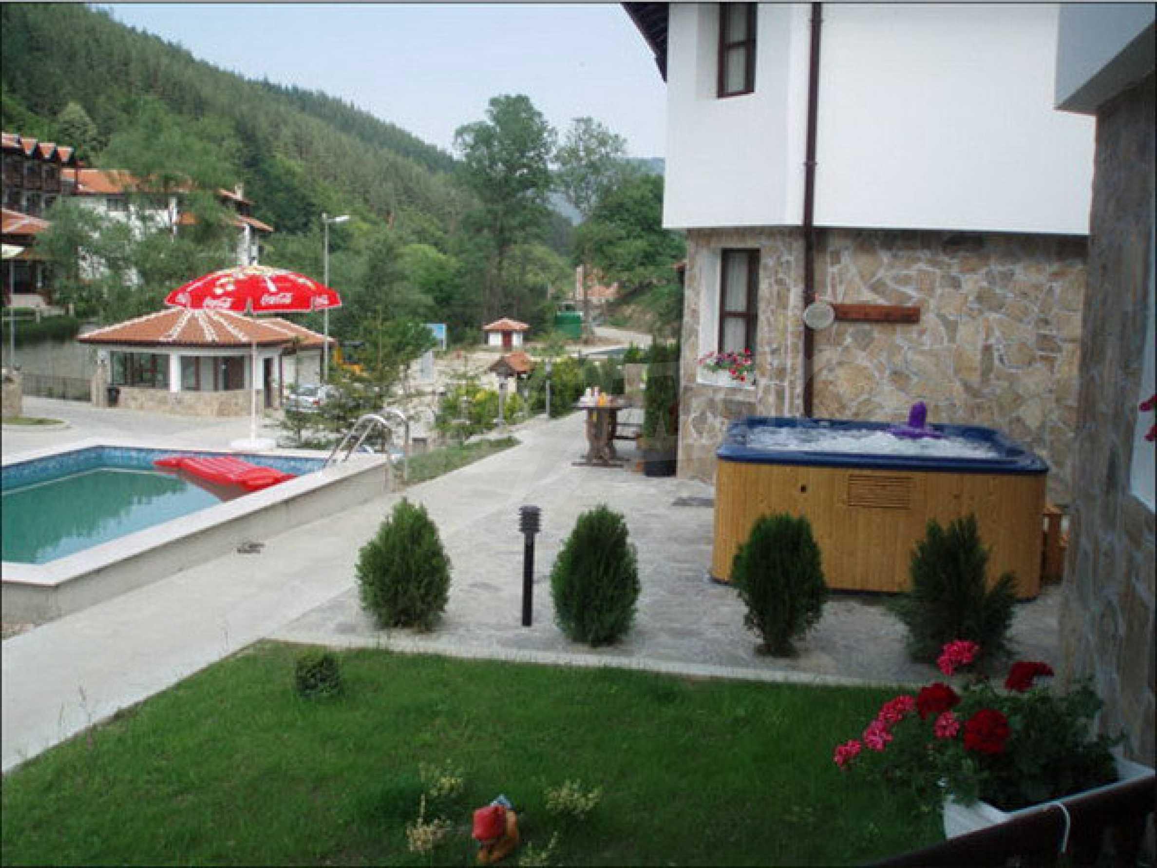 Zwei Gästehäuser in einer attraktiven Gegend mit heißen Mineralquellen in der Nähe der Stadt Troyan 2