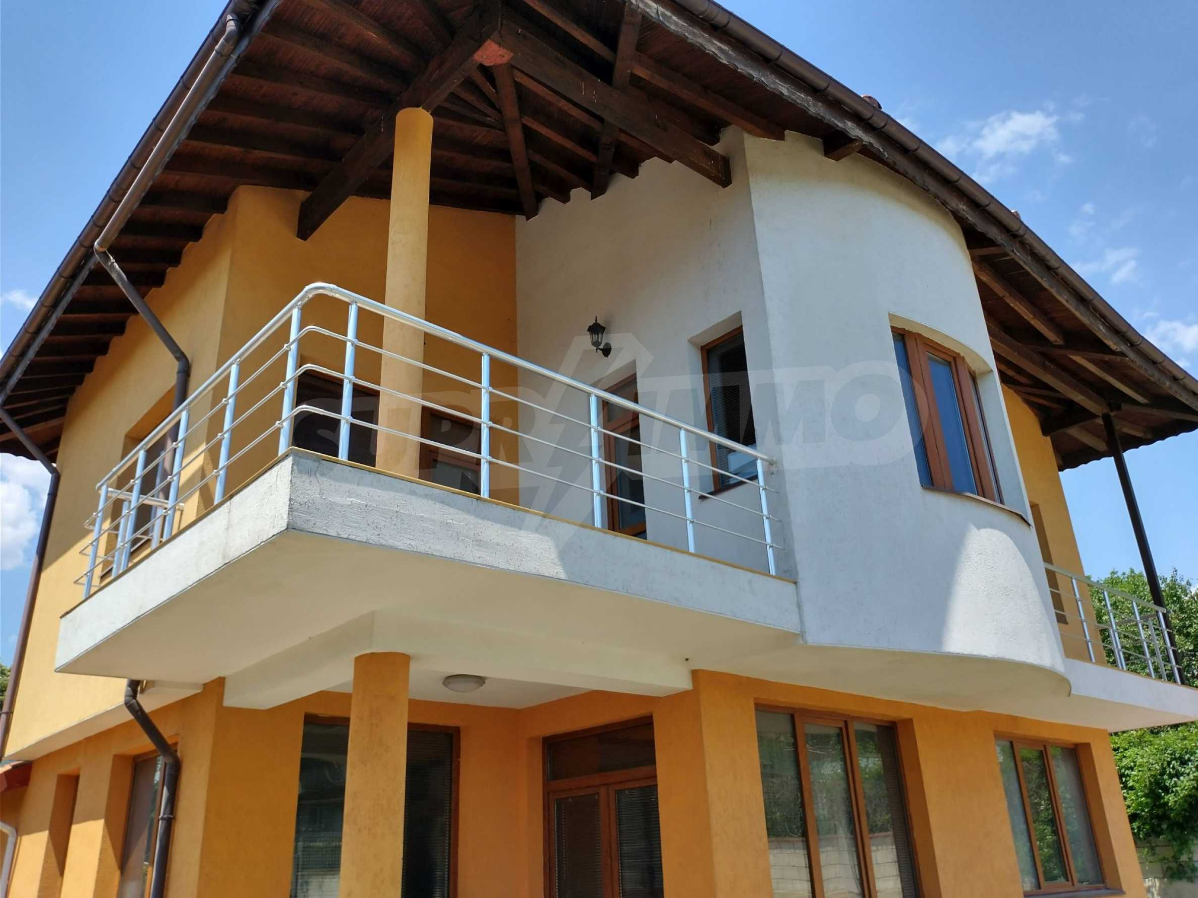 Schönes, dreistöckiges Haus in der Nähe von Warna 16