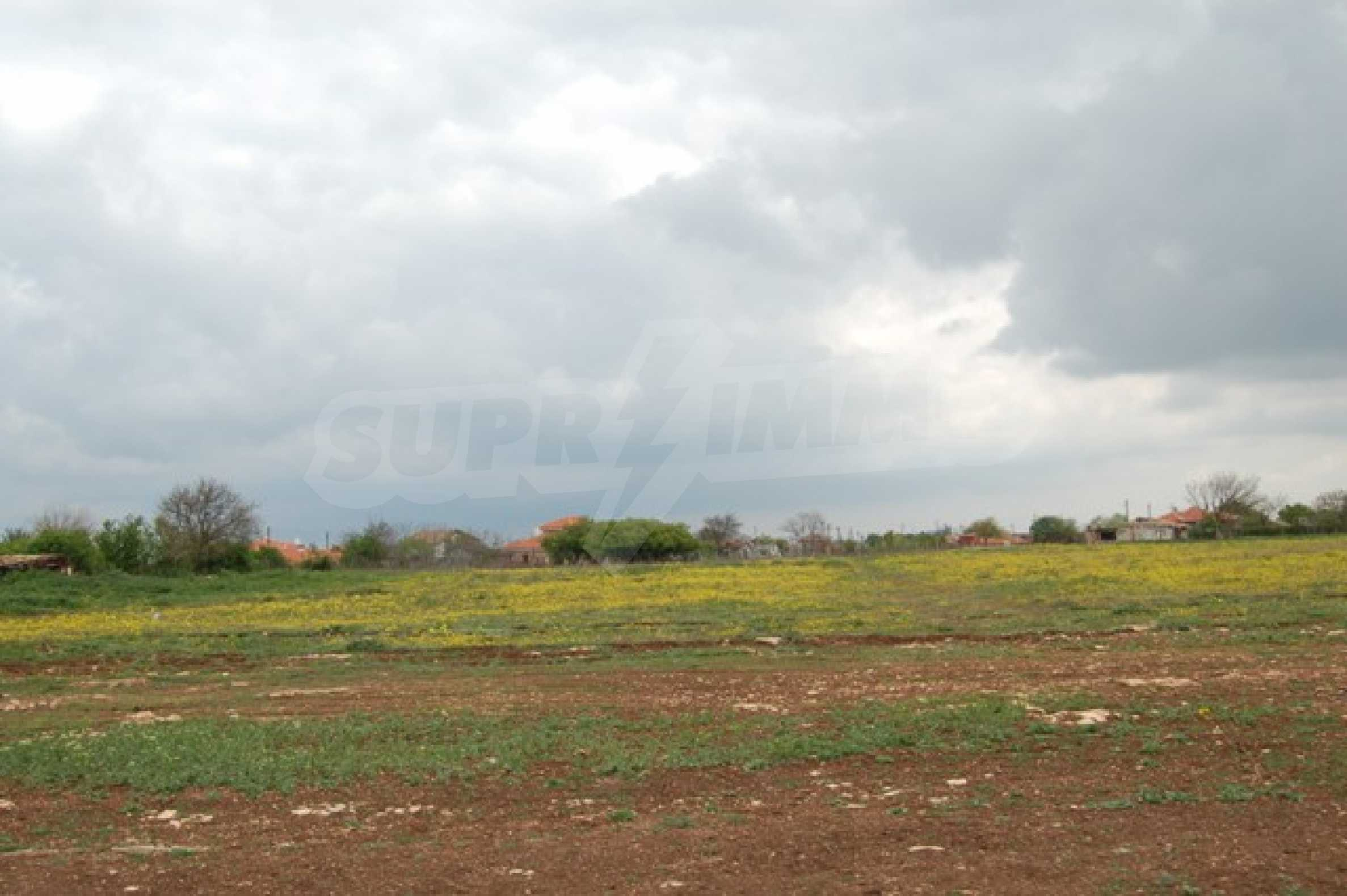Regulated plots near Kavarna Golf courses 3