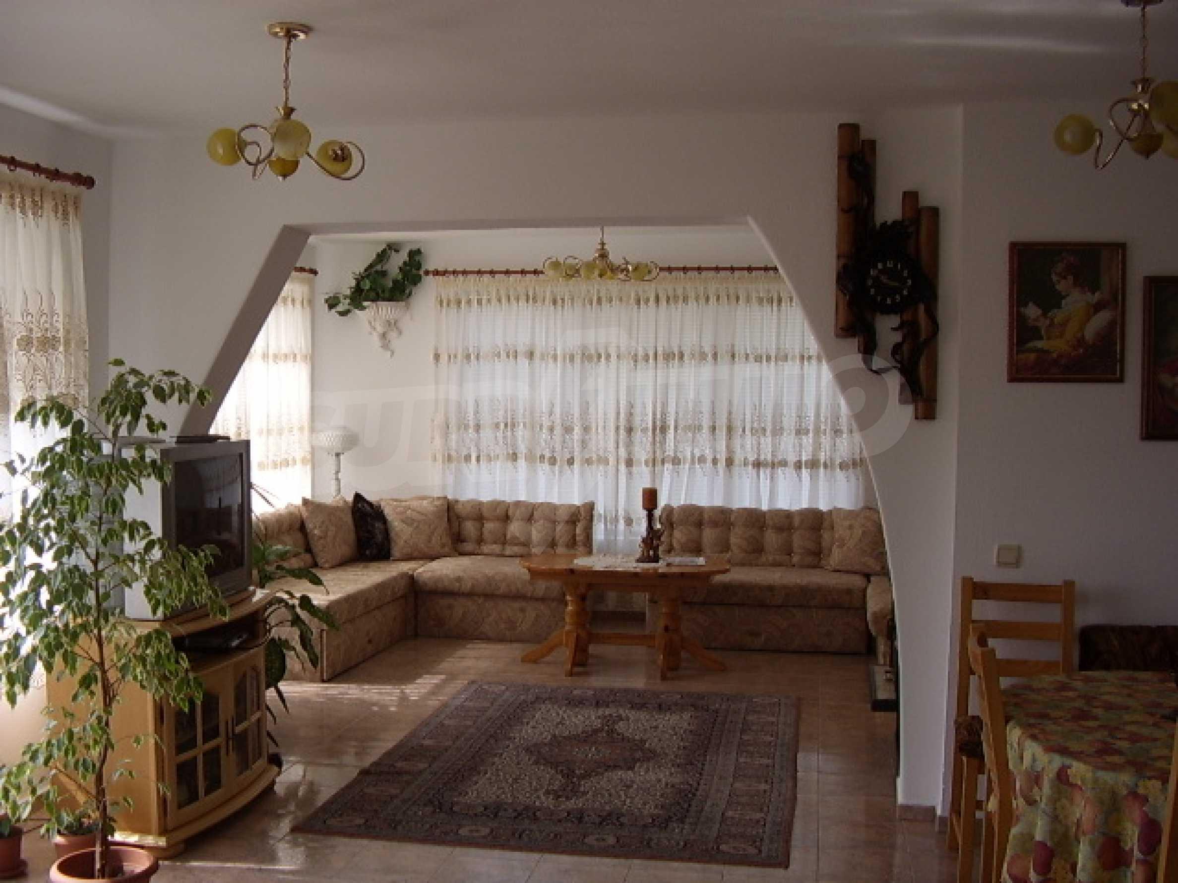 Gästehaus mit Taverne 11