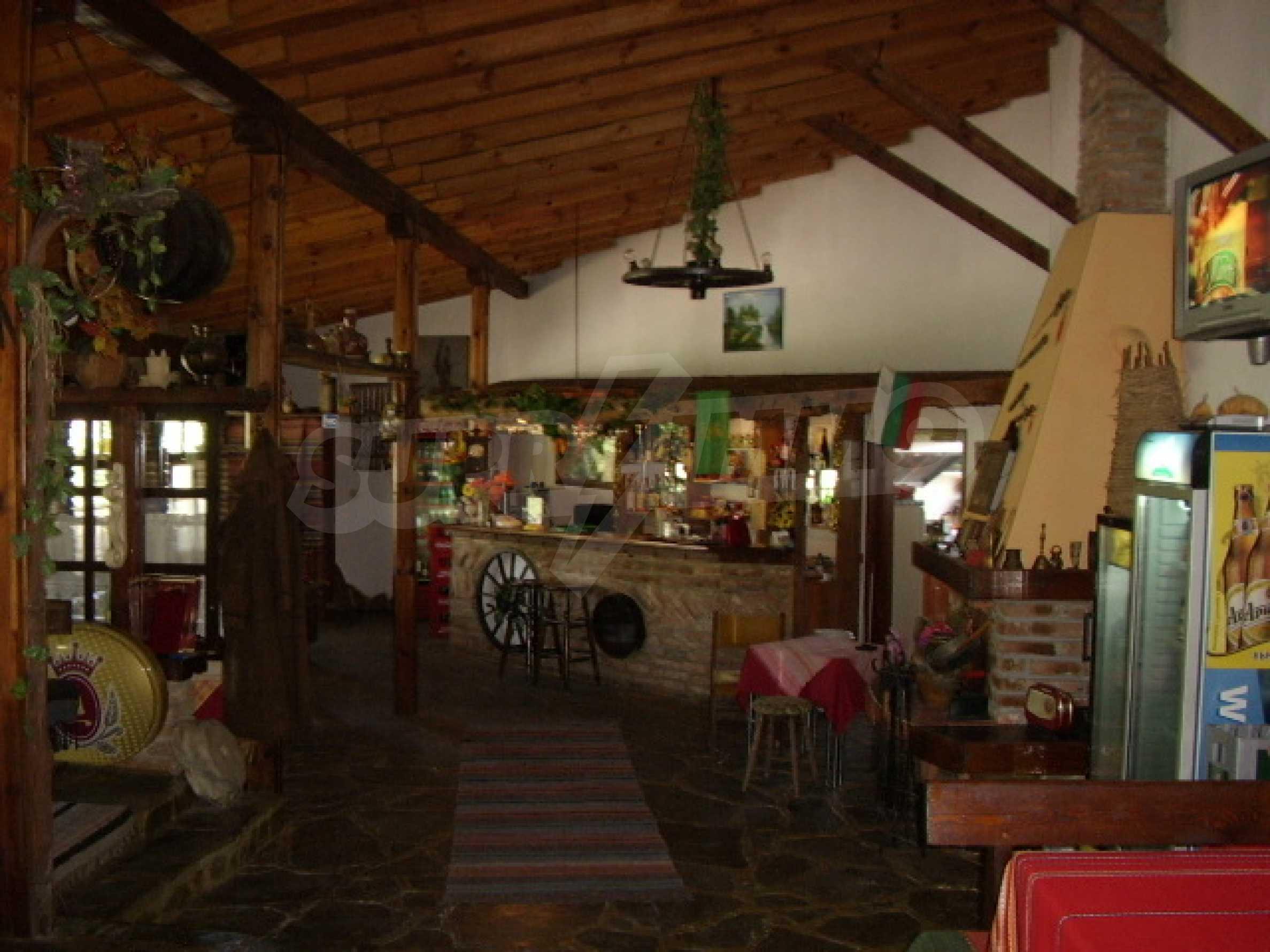 Gästehaus mit Taverne 1