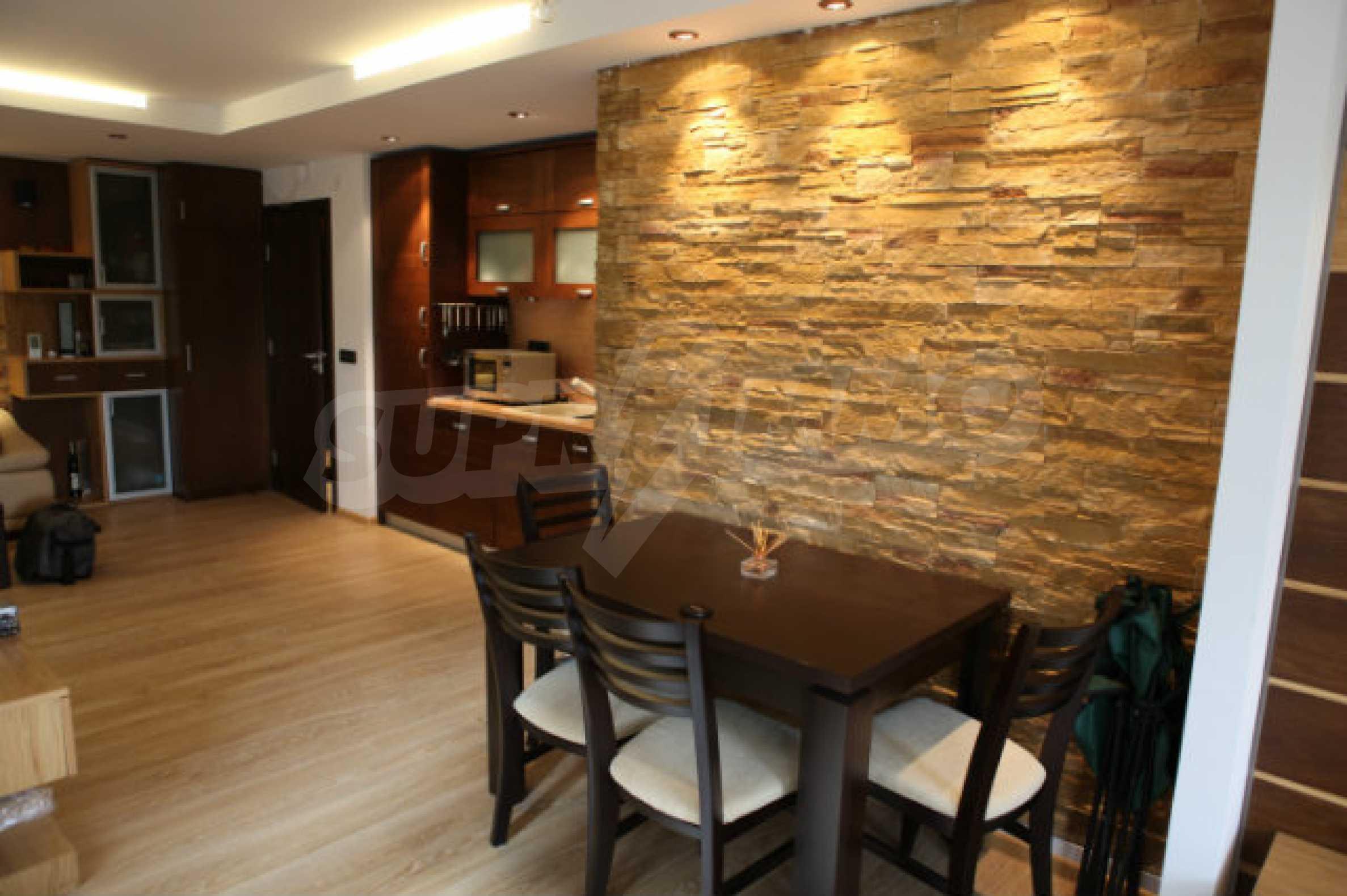 Stilvolles Apartment mit 1 Schlafzimmer in der Central VIP Residence 2