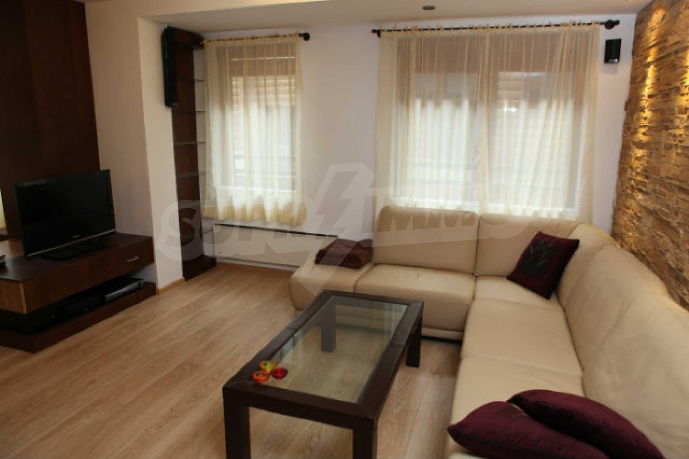 Stilvolles Apartment mit 1 Schlafzimmer in der Central VIP Residence 3