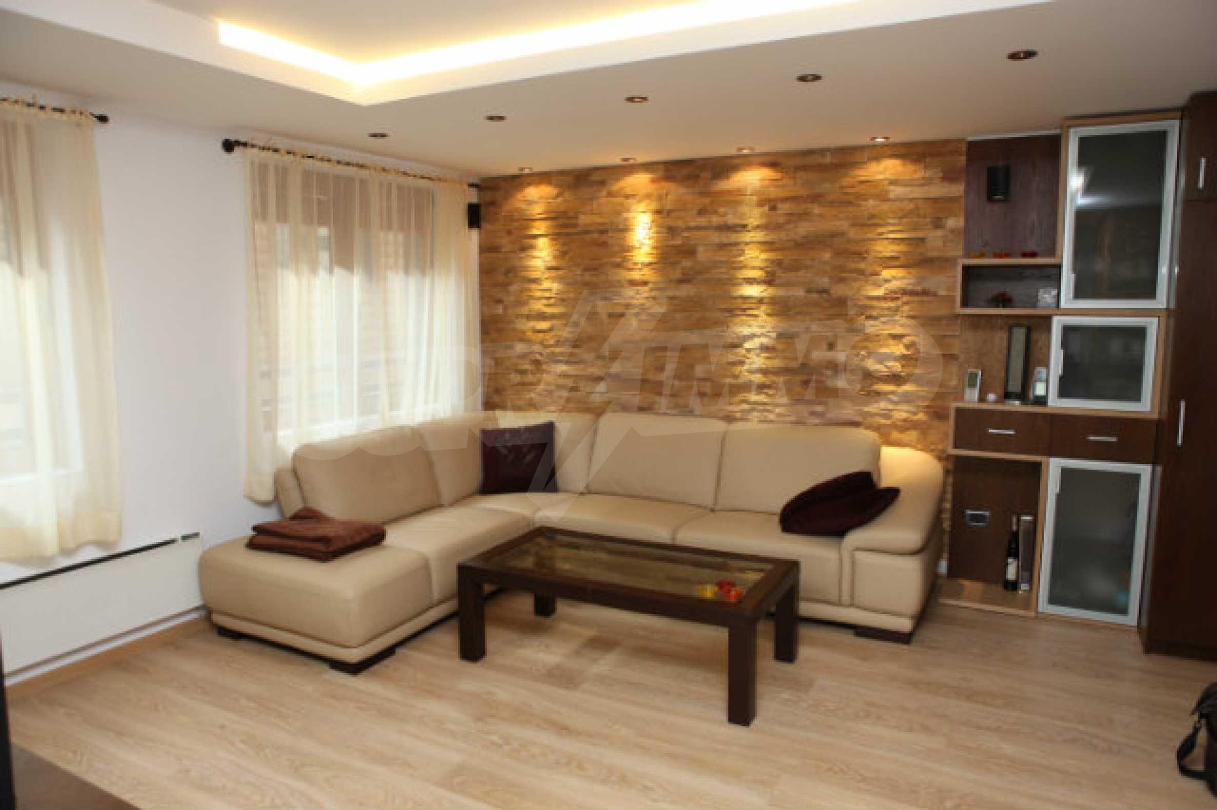 Stilvolles Apartment mit 1 Schlafzimmer in der Central VIP Residence 4