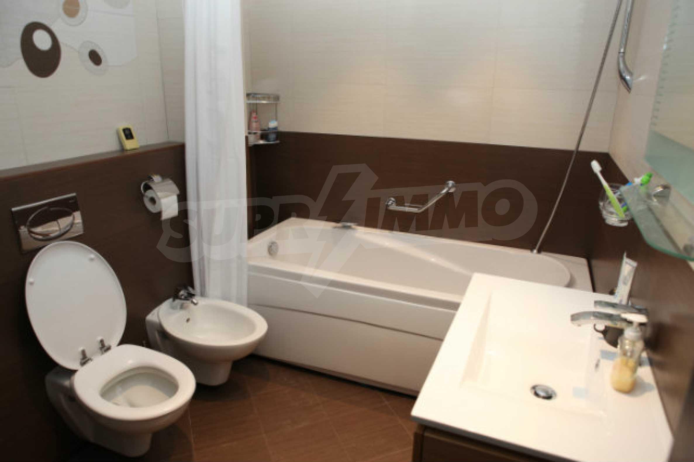 Stilvolles Apartment mit 1 Schlafzimmer in der Central VIP Residence 7